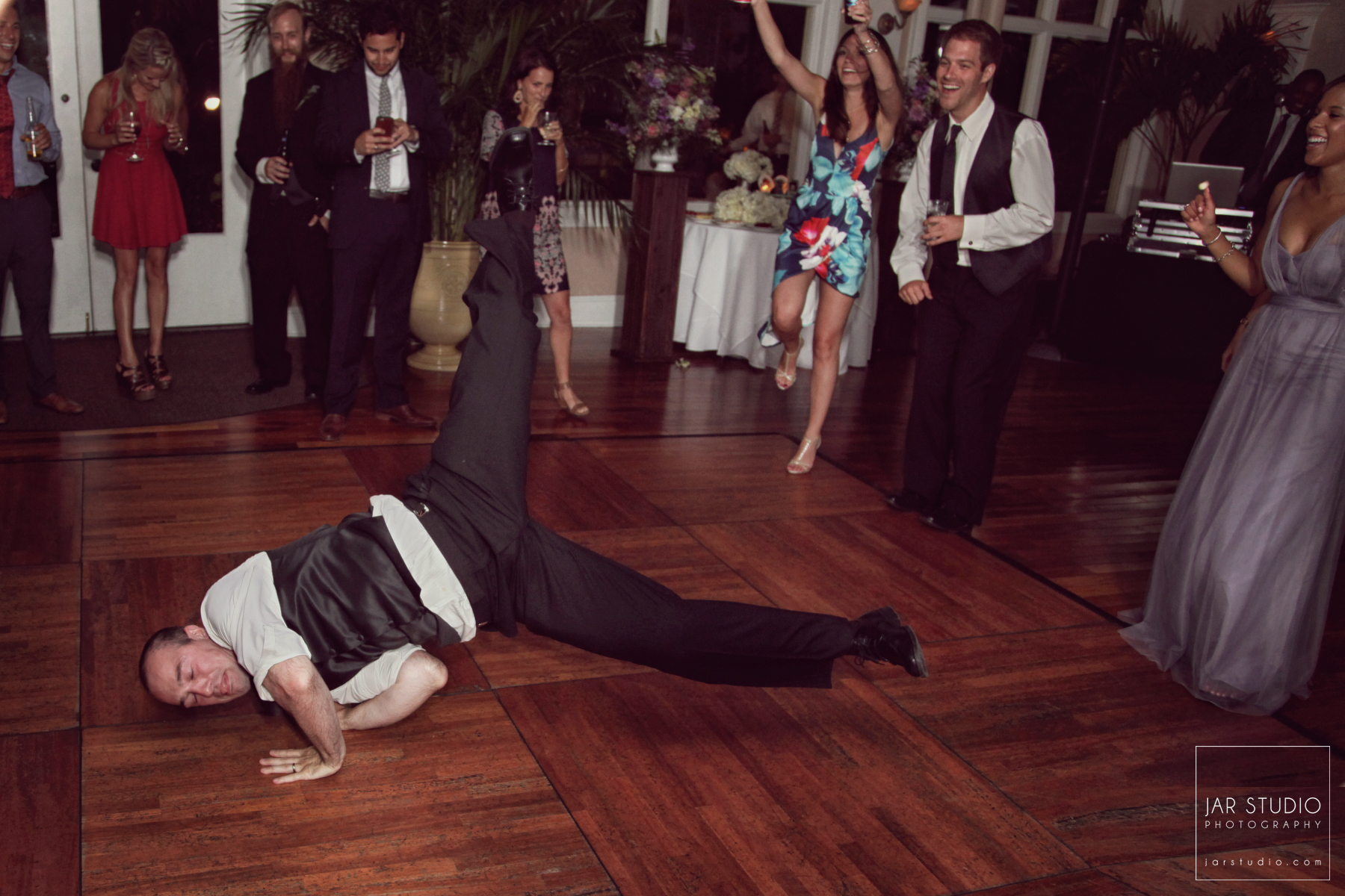 30-break-dancing-groom-jarstudio-photography.JPG