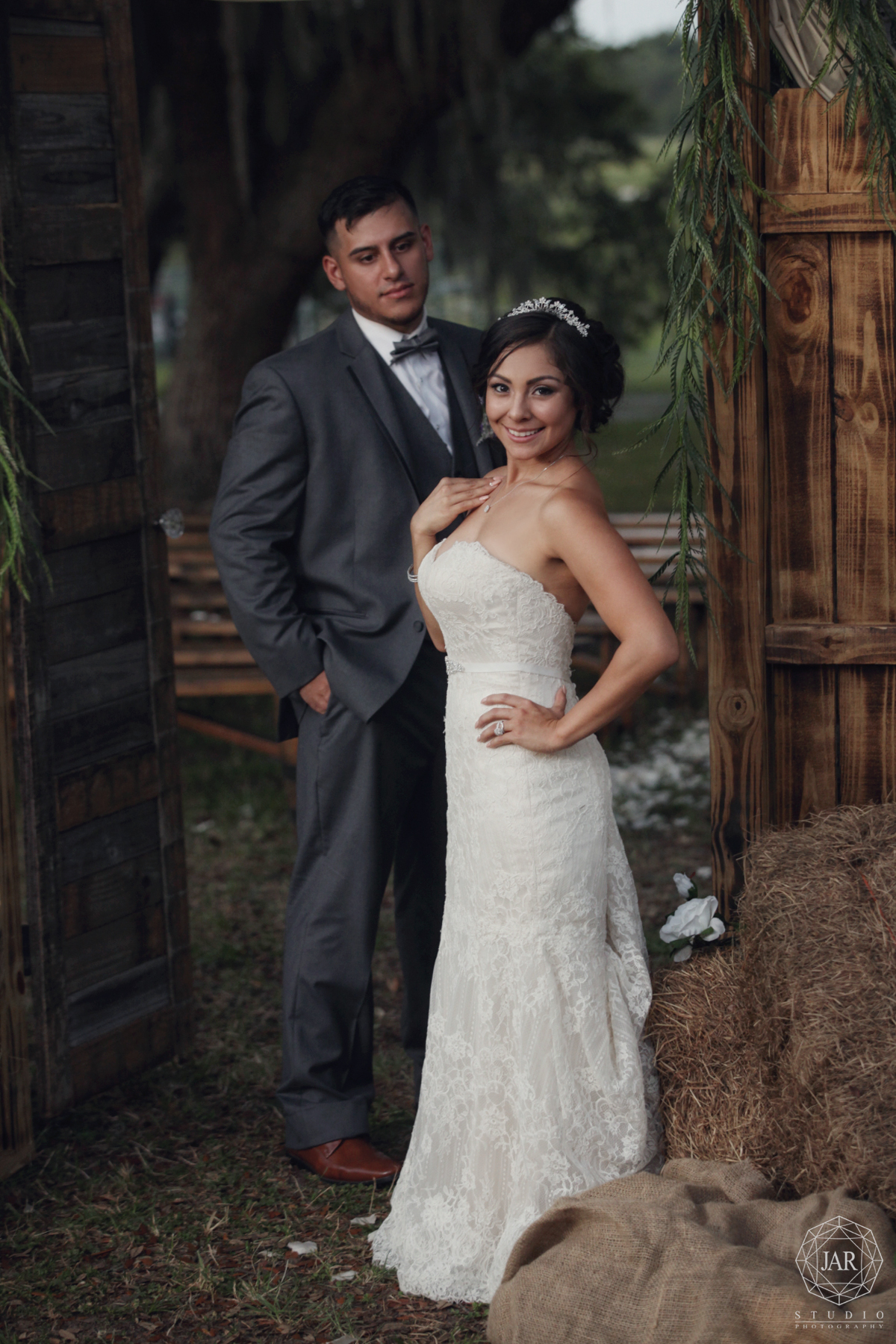 36-unique-outdoor-rustic-place-to-get-married-orlando-photographer-jarstudio.JPG