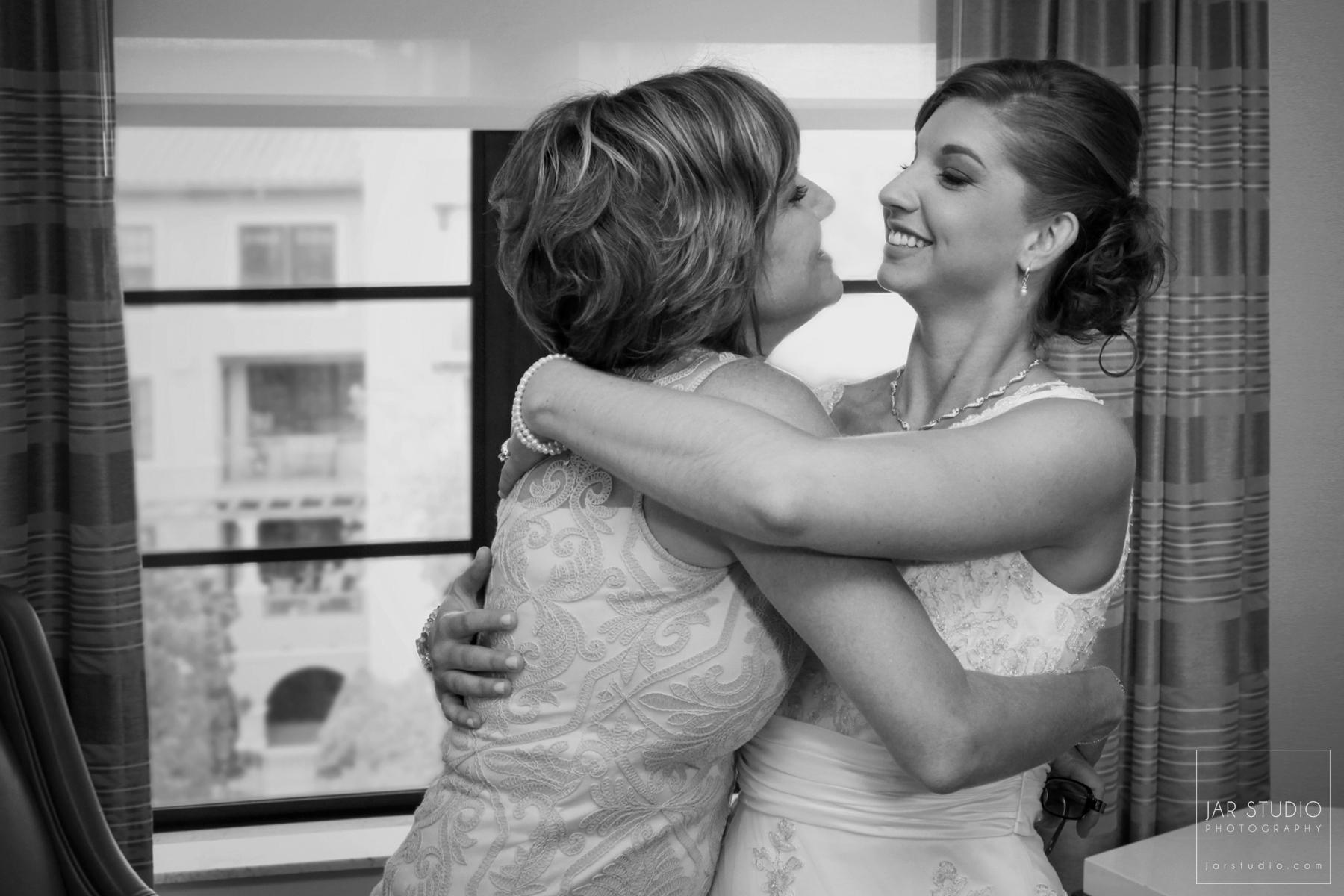 07-mother-bride-wedding-day-alfond-inn-rollins-jarstudio-photography.JPG
