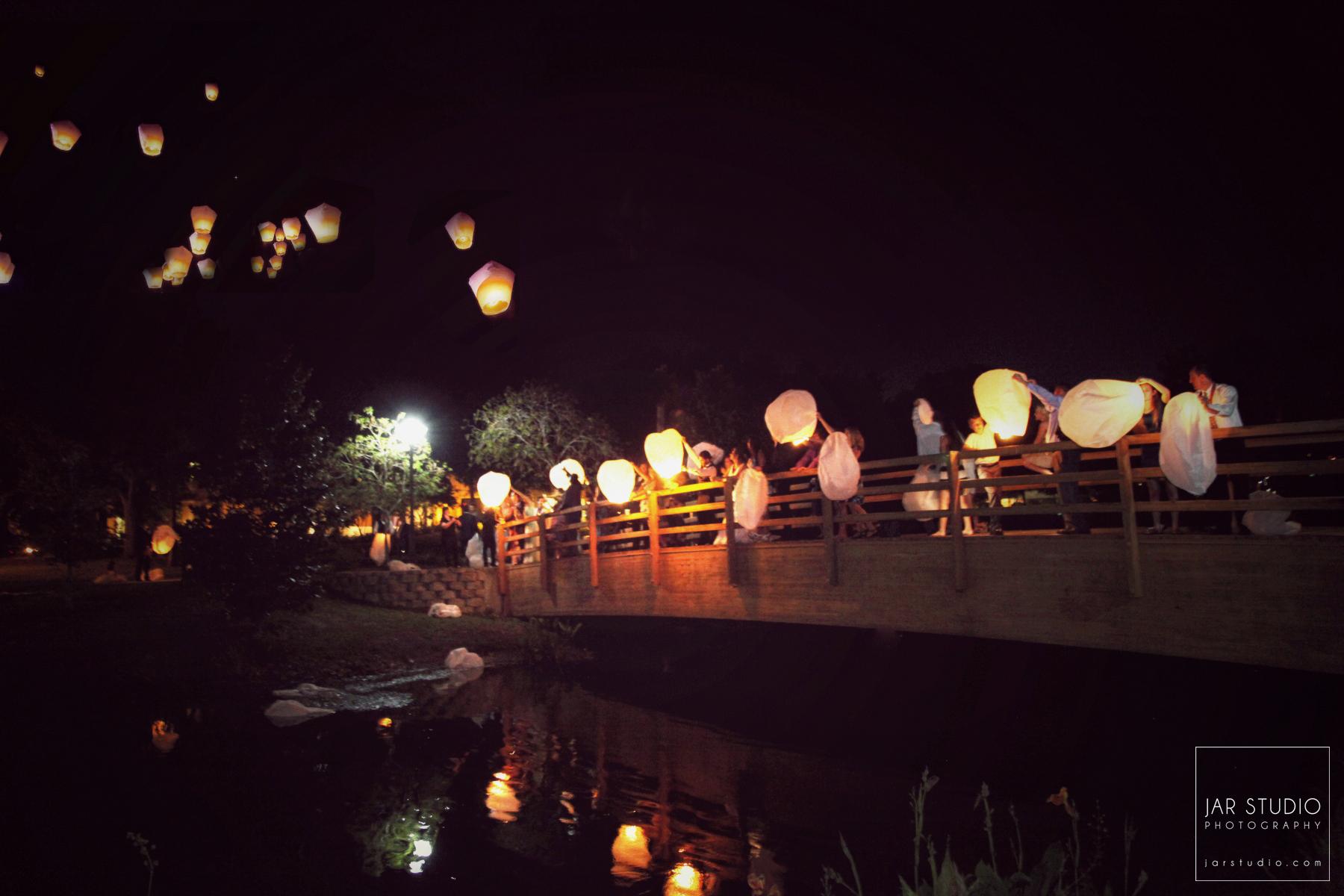 36-beautiful-lanterns-wedding-sendout-jarstudio-photography.JPG