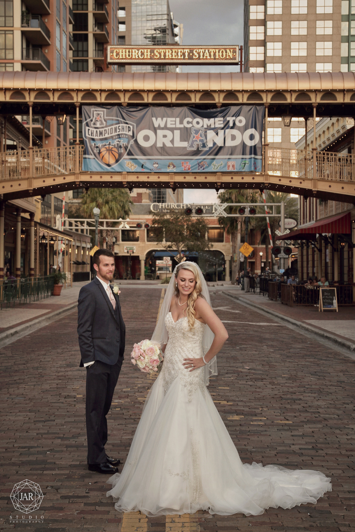 14-bride-groom-church-street-station-orlando-jarstudio-photography.jpg
