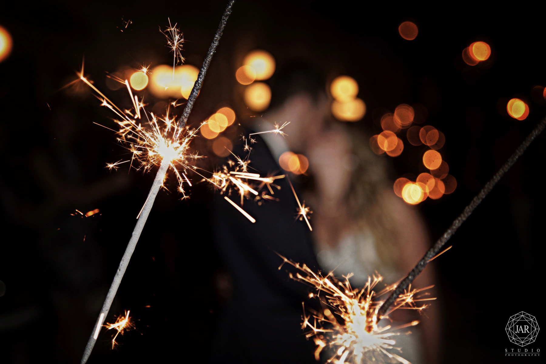 30-orlando-wedding-sparklers-jarstudio-photography.jpg