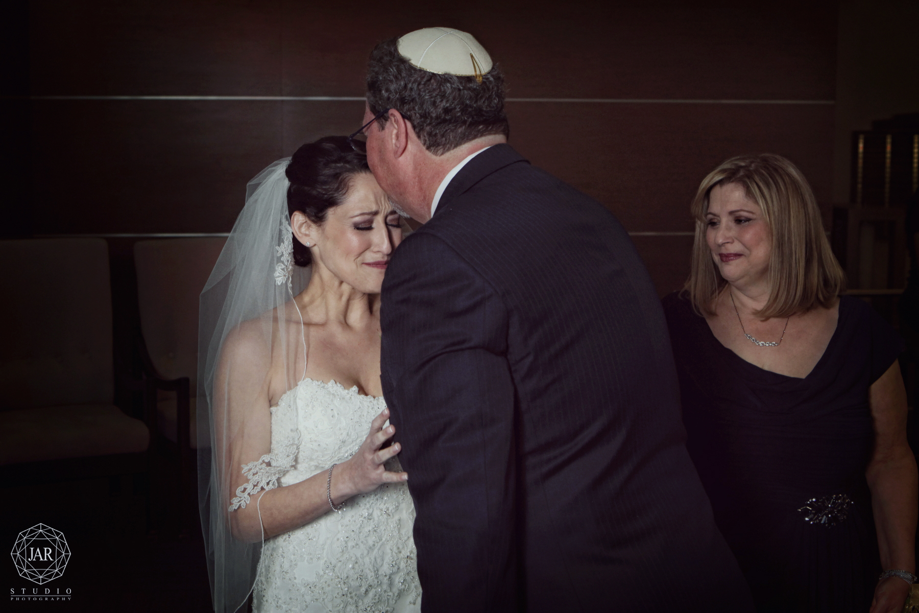 16-bride-dad-orlando-jewish-wedding-kippah-jarstudio-photography.JPG