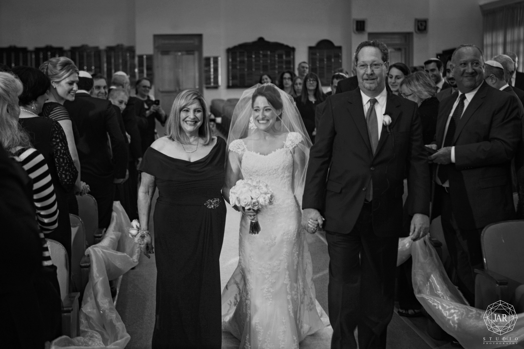 18-bride-family-orlando-jewish-temple-wedding-photography-jarstudio.JPG