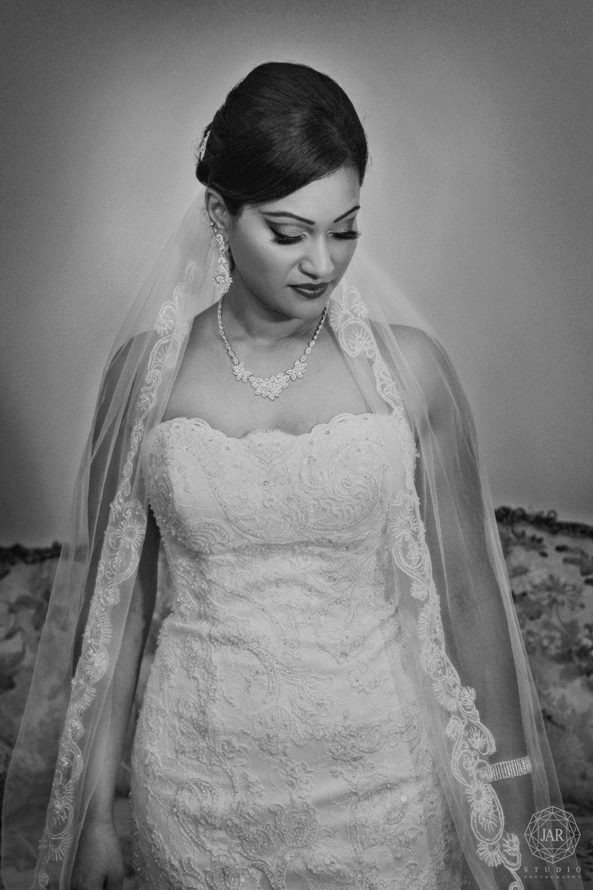 05-modern-indian-bride-jarstudio-orlando-photography.JPG