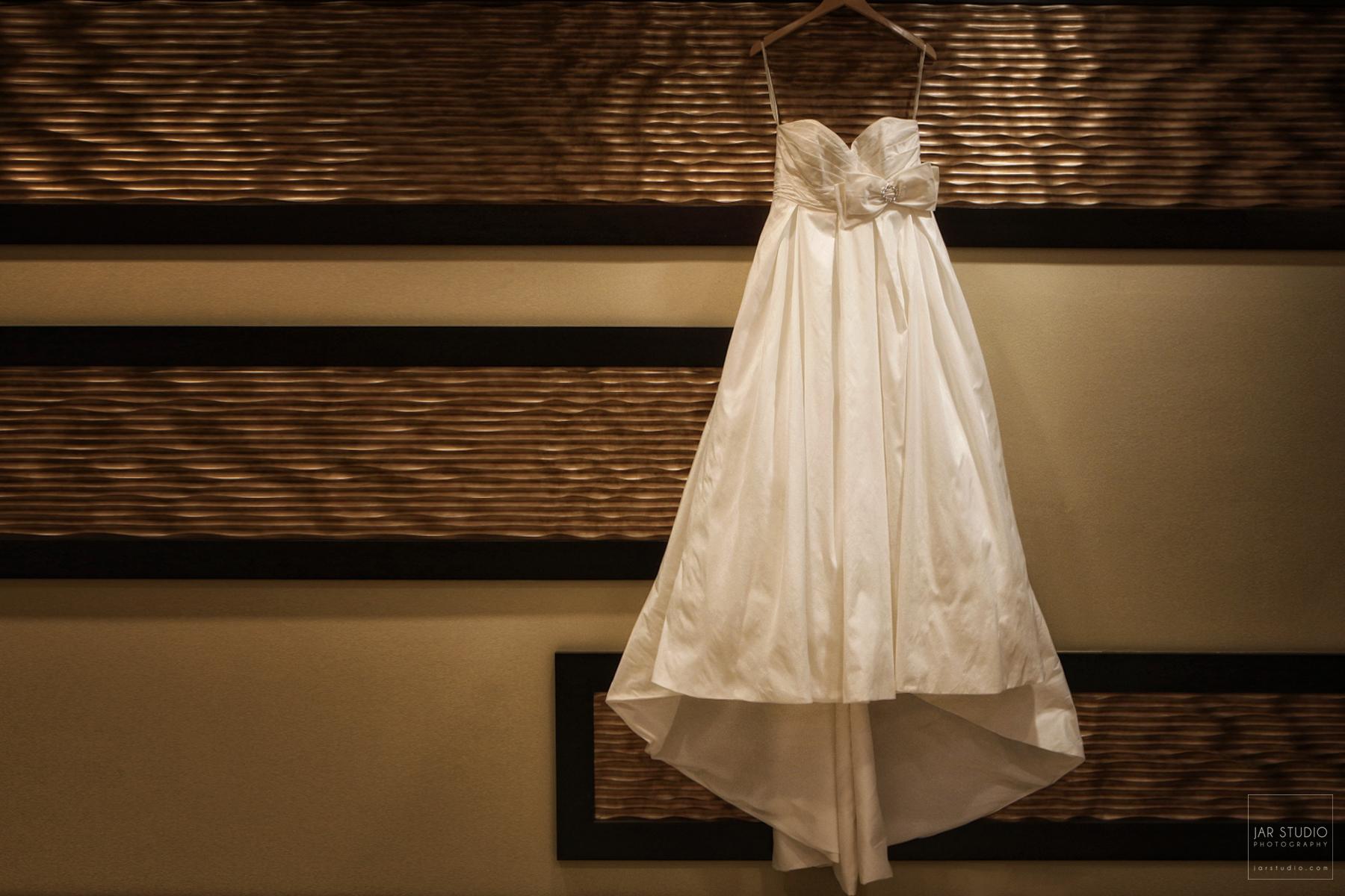01-wedding-dress-hotel-orlando-photographer.JPG