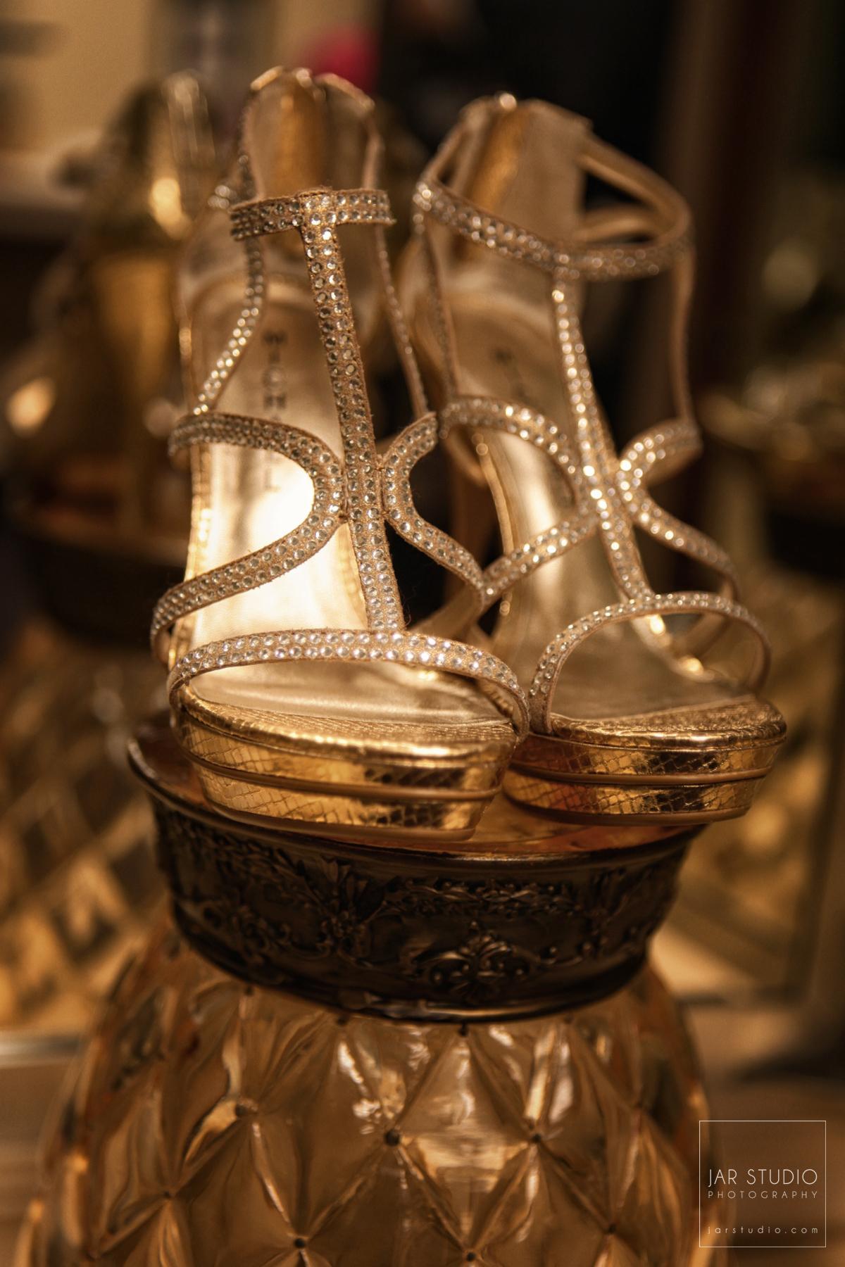 02-wedding-shoes-gorgeous-orlando-photographer.JPG
