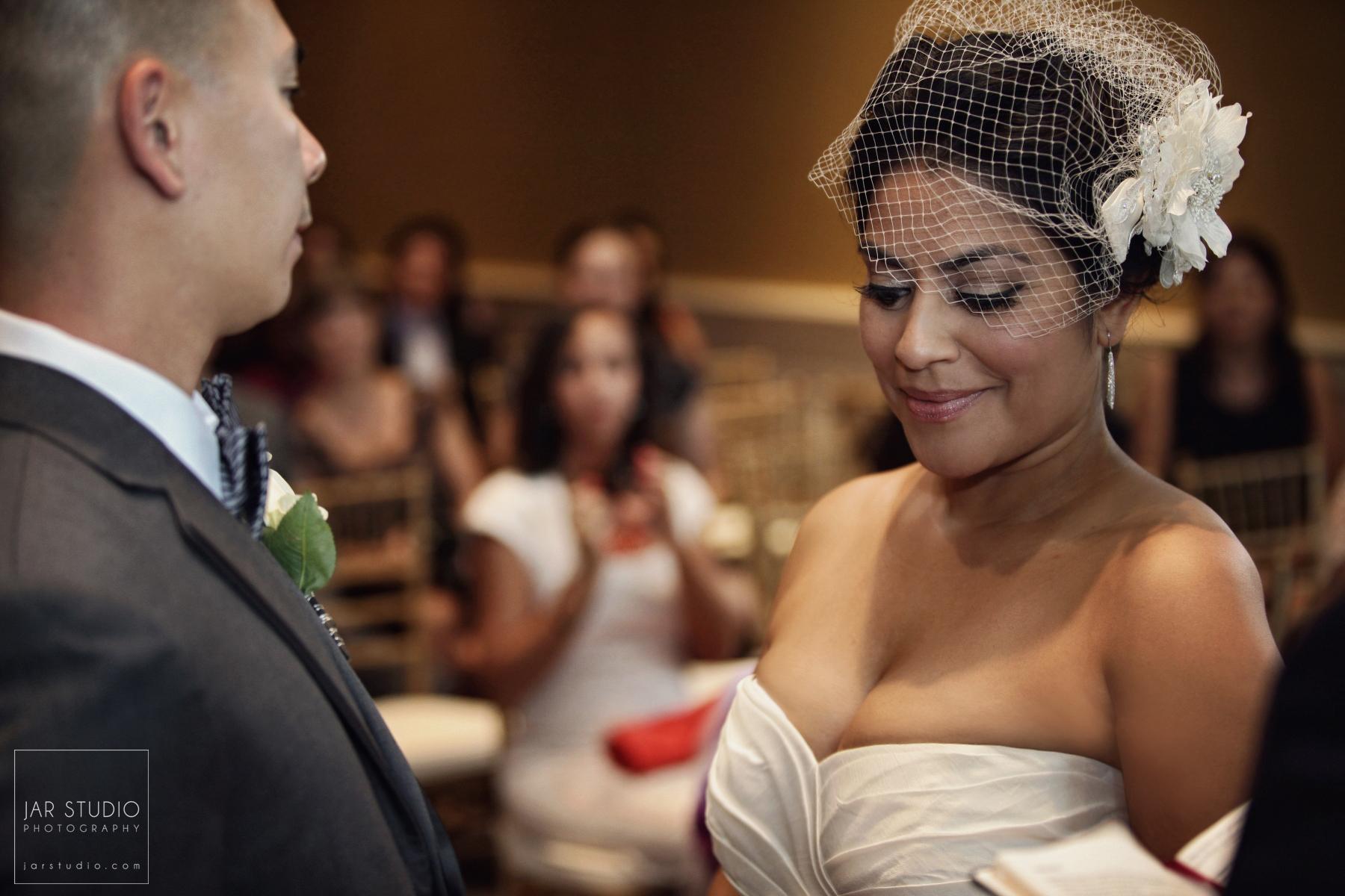 14-beautiful-bride-head-piece-orlando-photographer.JPG