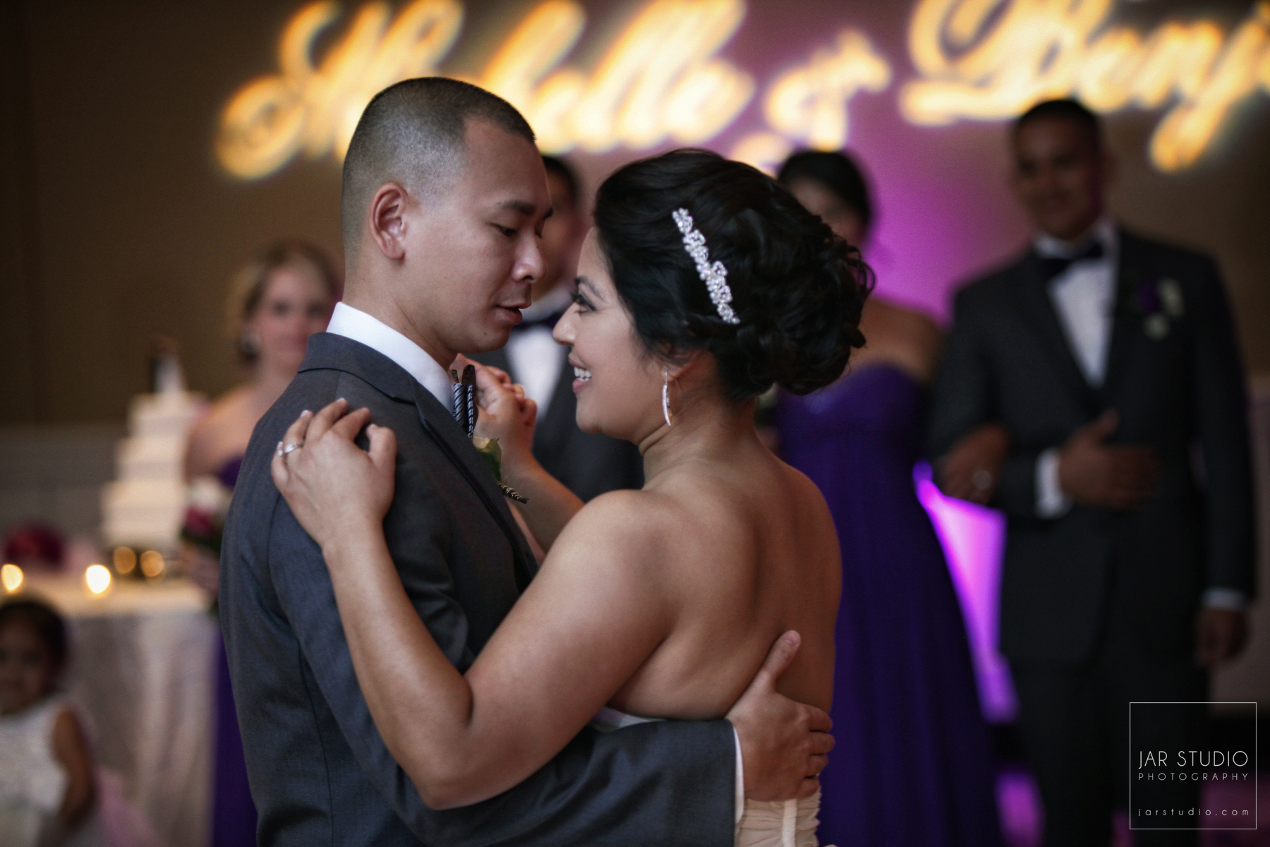 23-first-dance-husband-wife-orlando-wedding-photographer.JPG