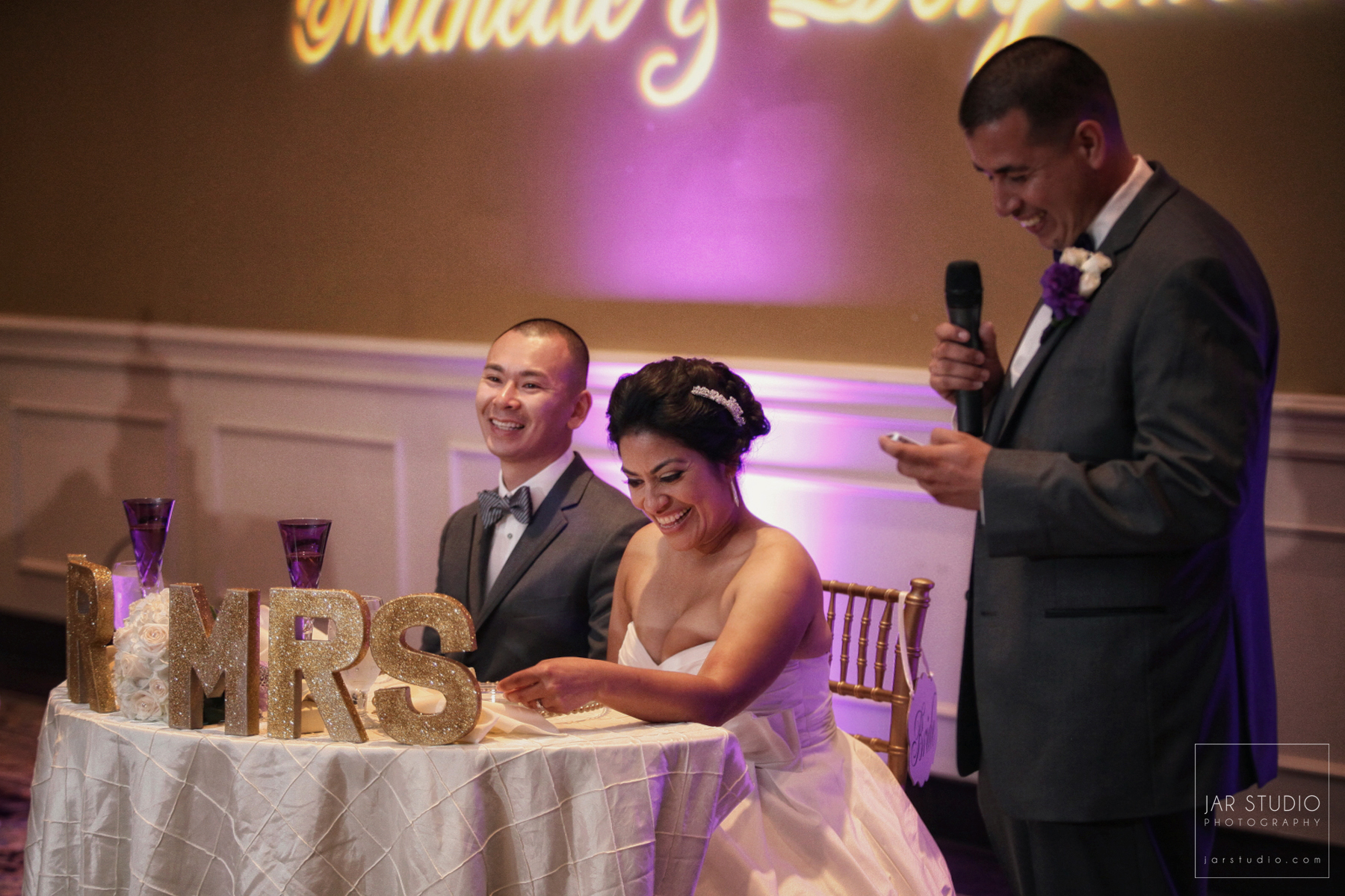 25-mr-mrs-wedding-decor-fun-beautiful-jarstudio-photography.JPG