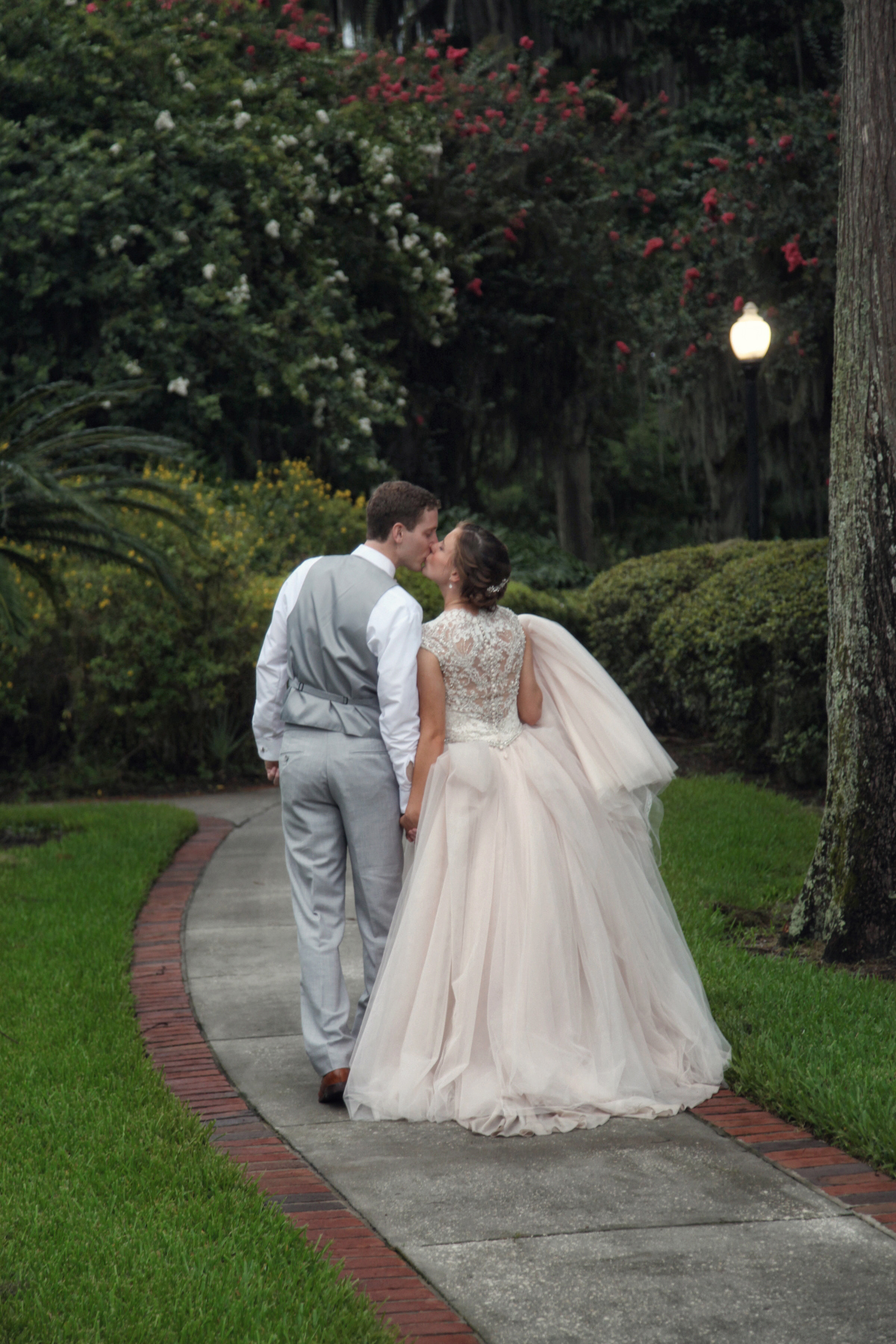 Romantic chic modern bride disney wedding photographer