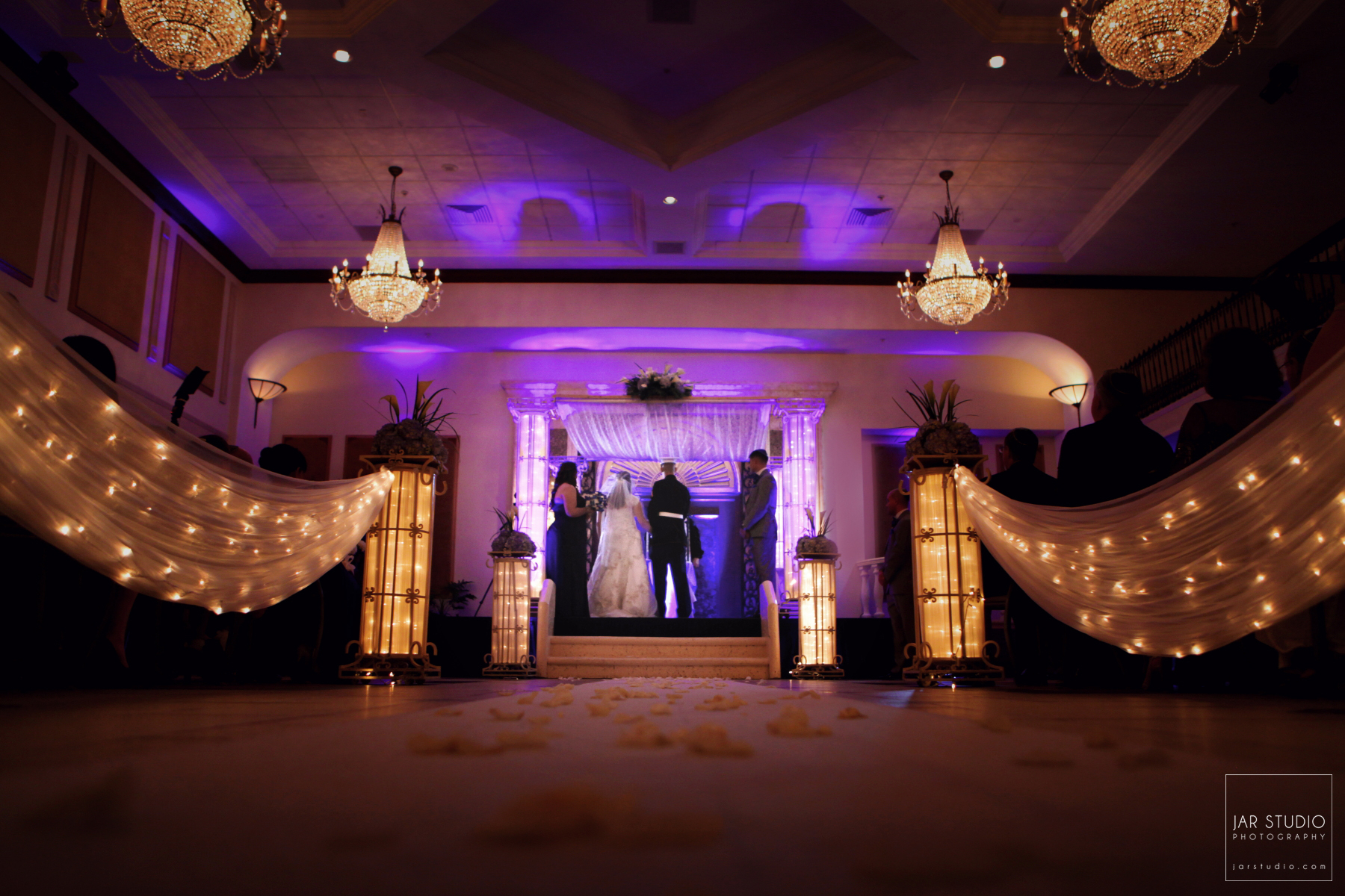 14-orlando-elegant-wedding-venue-lighting-ceremony-jarstudio-photography.JPG