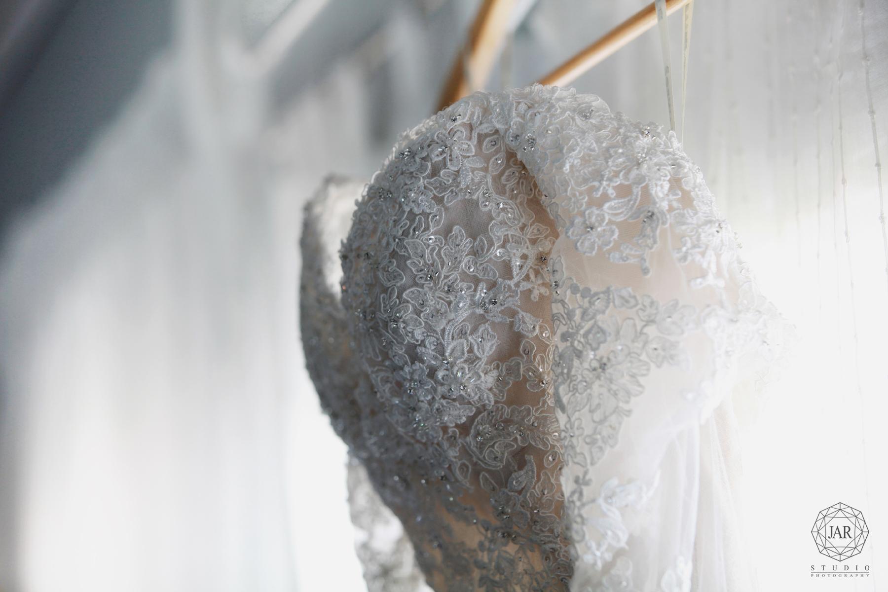 01-jarstudio-weddings-photography-elegant-dress-orlando.jpg