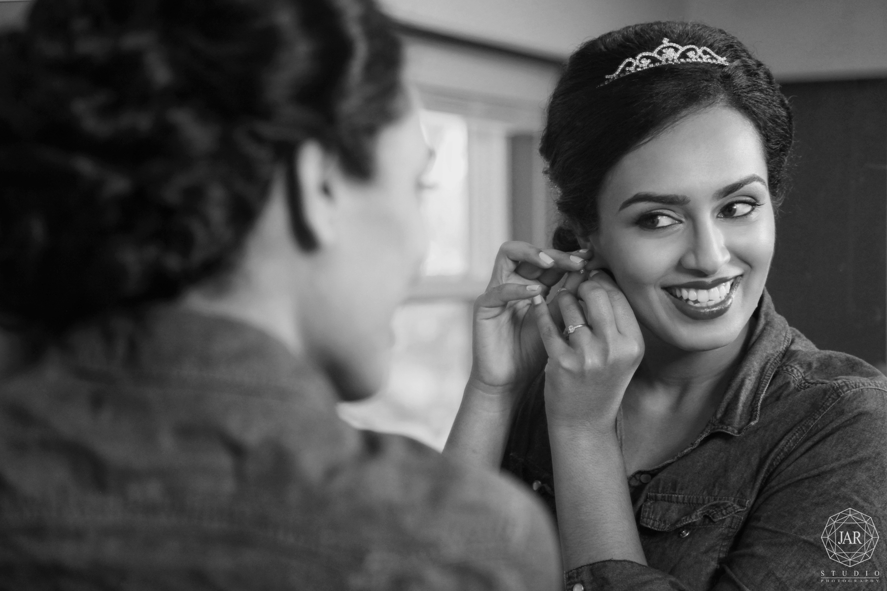 03-bride-getting -ready-ideas-beautiful-jarstudio-photography.jpg