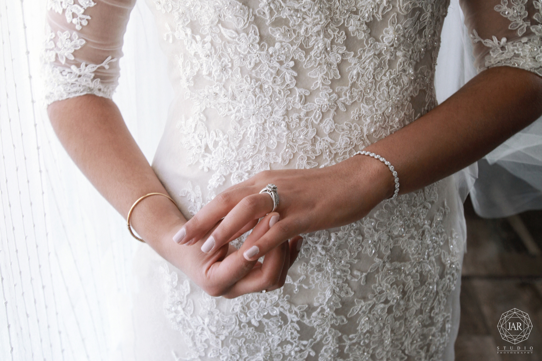 05-beautiful-engagement-ring-2017-wedding-trends-orlando-photographer.jpg