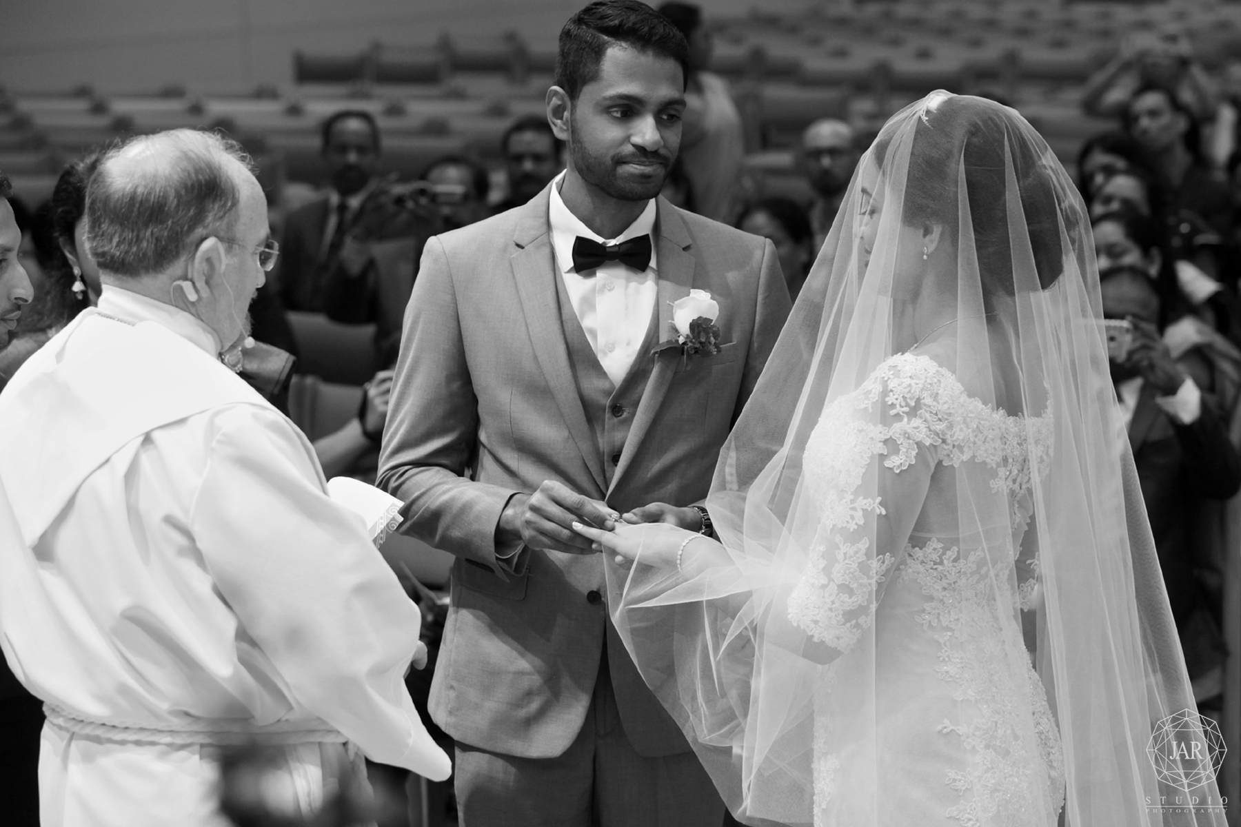 15-modern-indian-wedding-ceremony-jarstudio-photography.jpg