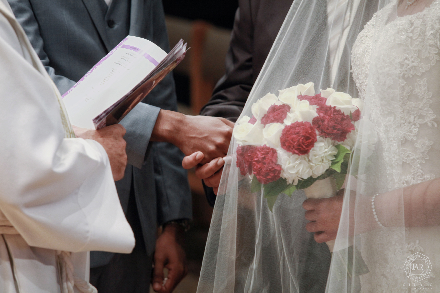 14-getting-married-traditional-christian-indian-florida-photography-jarstudio.jpg