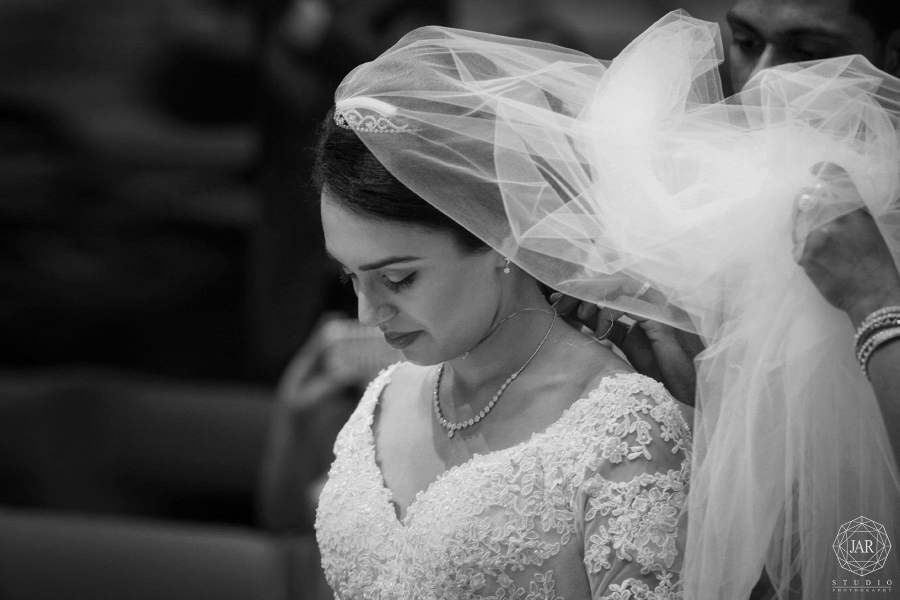 16-bride-in-modern-elegant-indian-wedding-orlando-photographer.jpg