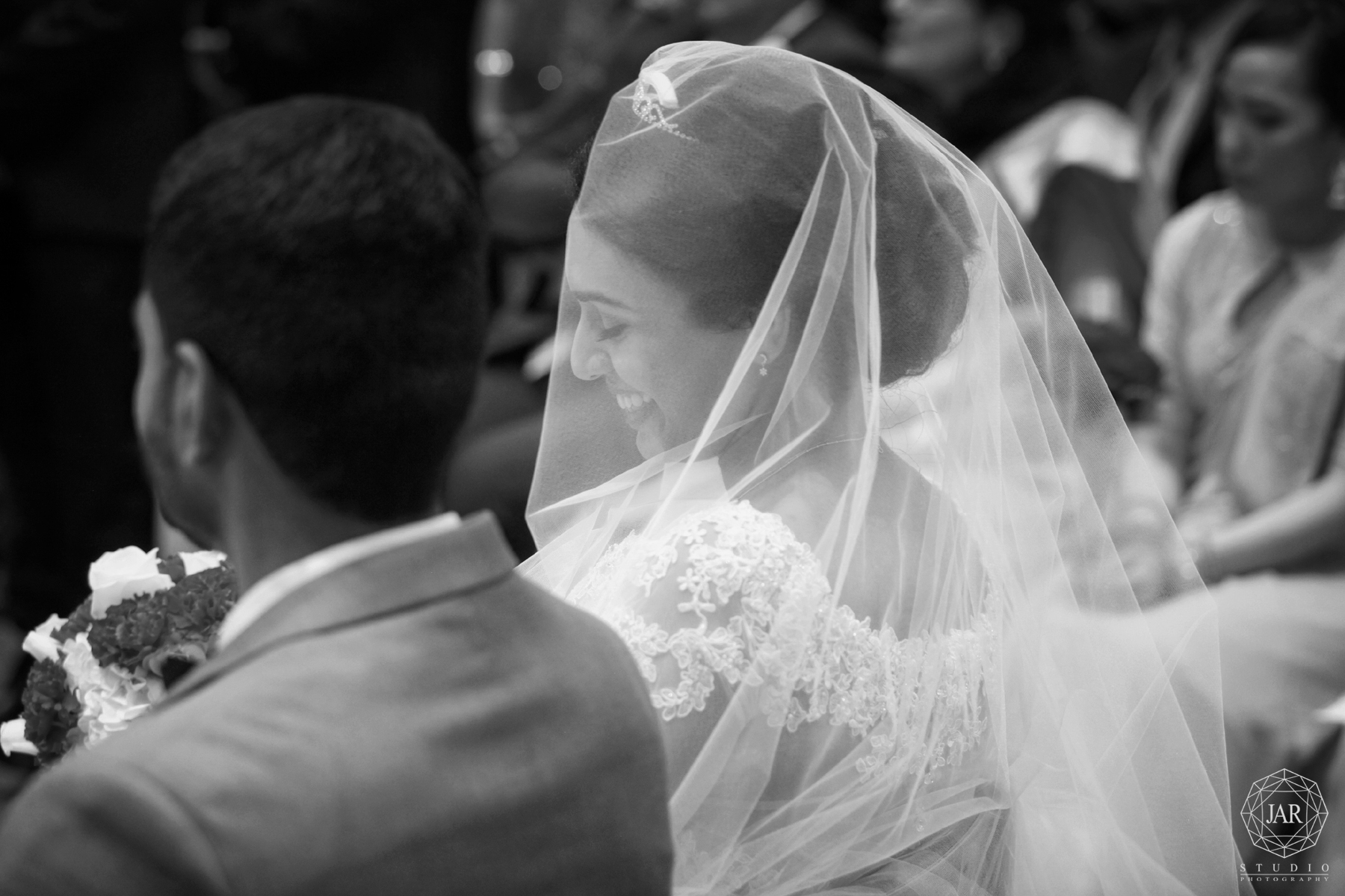 20-fun-at-the-ceremony-melbourne-fl-wedding-photographer-jarstudio.jpg
