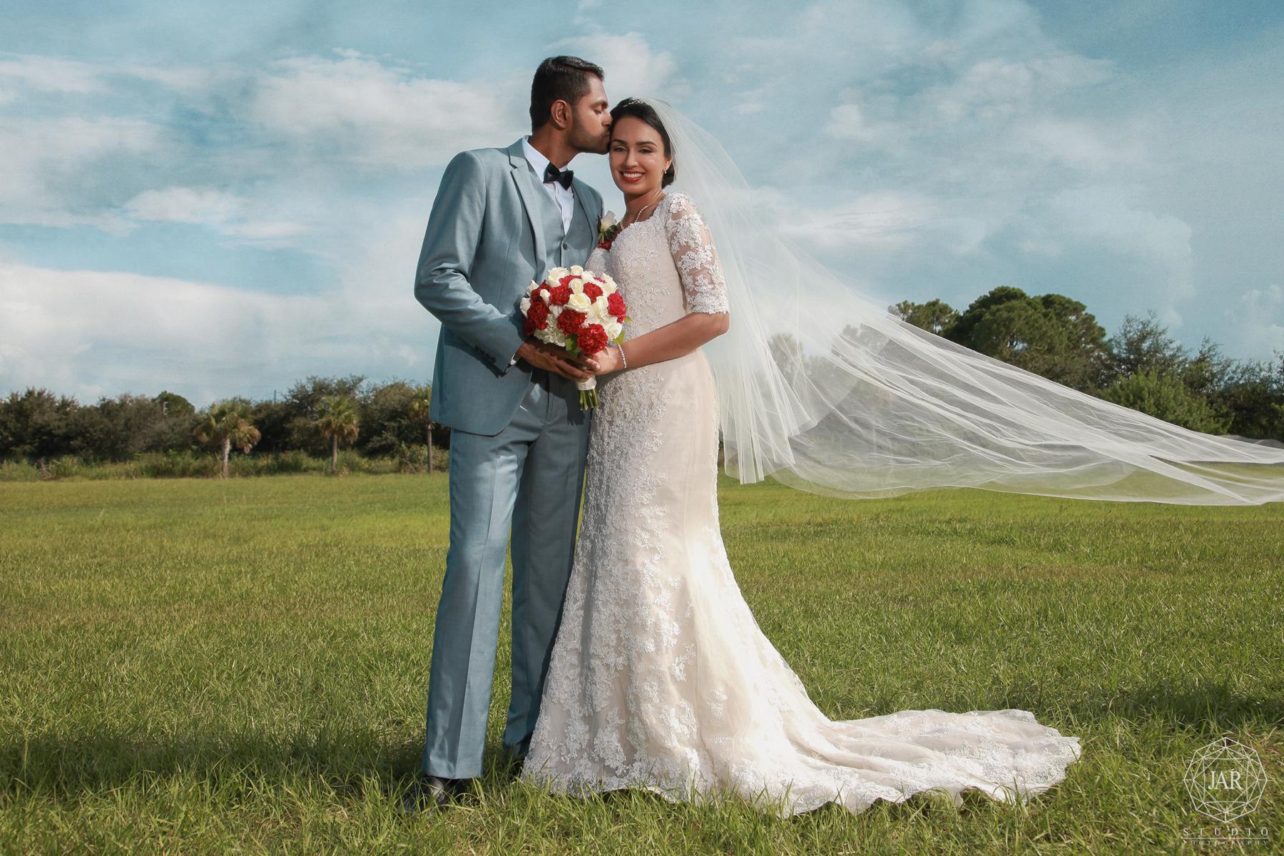 26-romantic-wedding-portrait-jarstudio-fine-art-photography.jpg