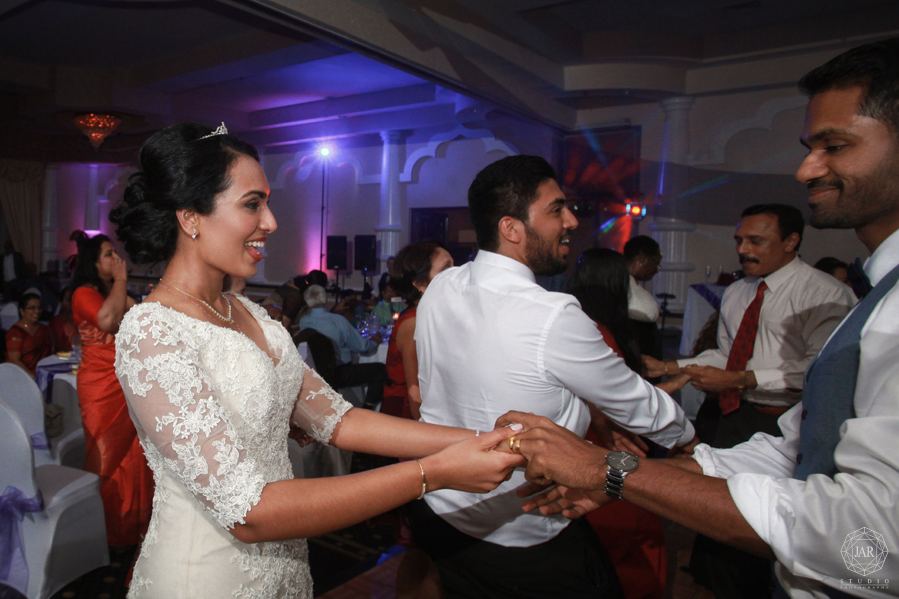 40-reception-lighting-ideas-dancing-orlando-photographer.jpg