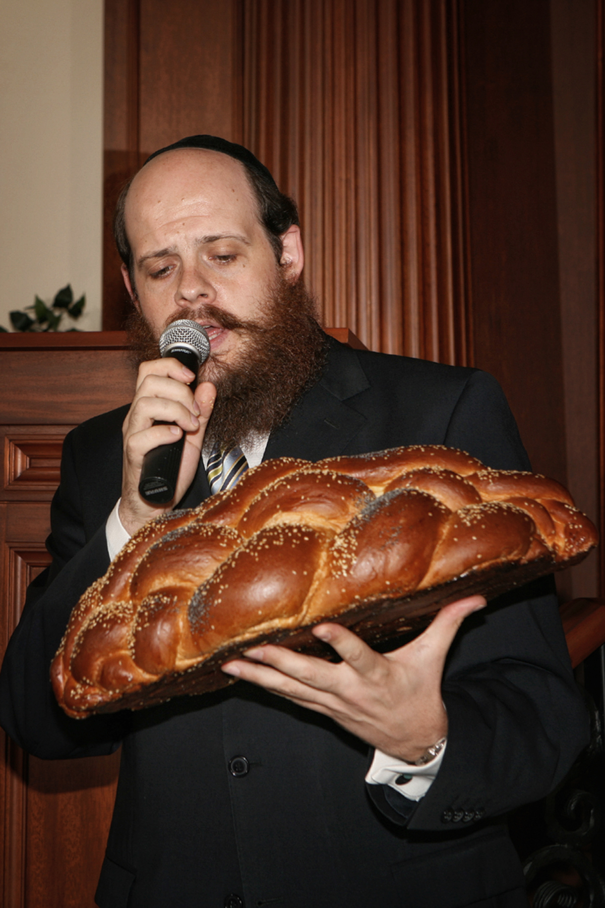 03-rabbi-challah bread-orlando-maitland-photographer.JPG