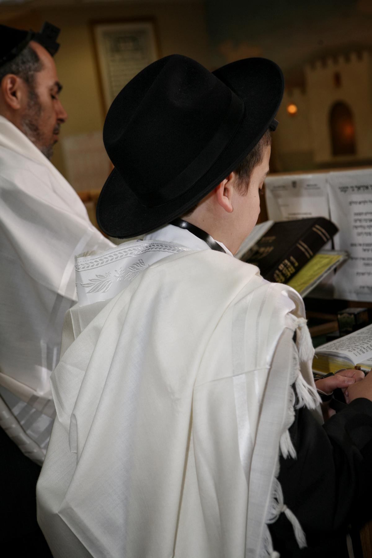 25-traditional-bar-mitzvah-ceremony-orlando-photographer.JPG