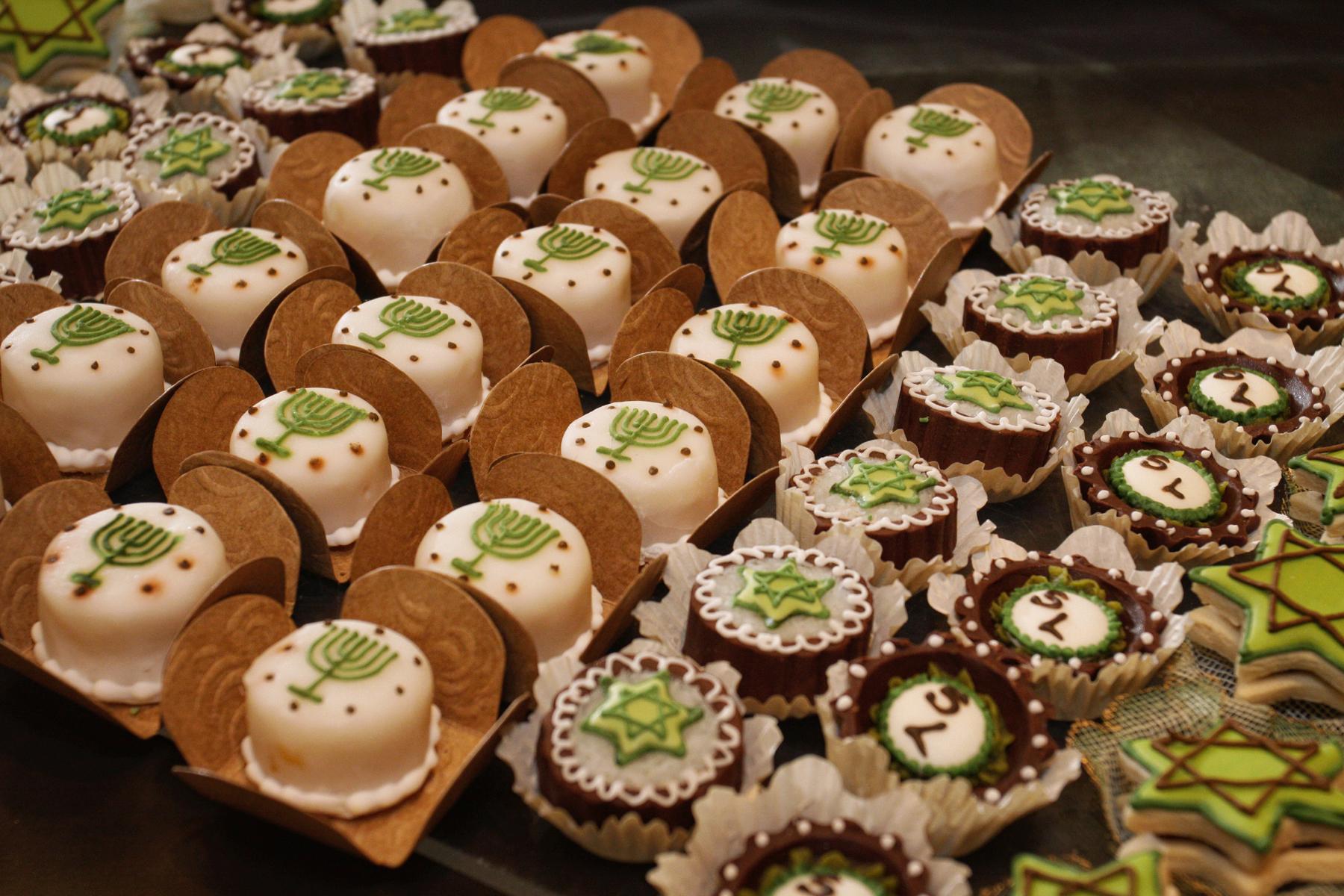 39-central-florida-bar-bat-mitzvah-sweets-kosher-event-photographer.JPG