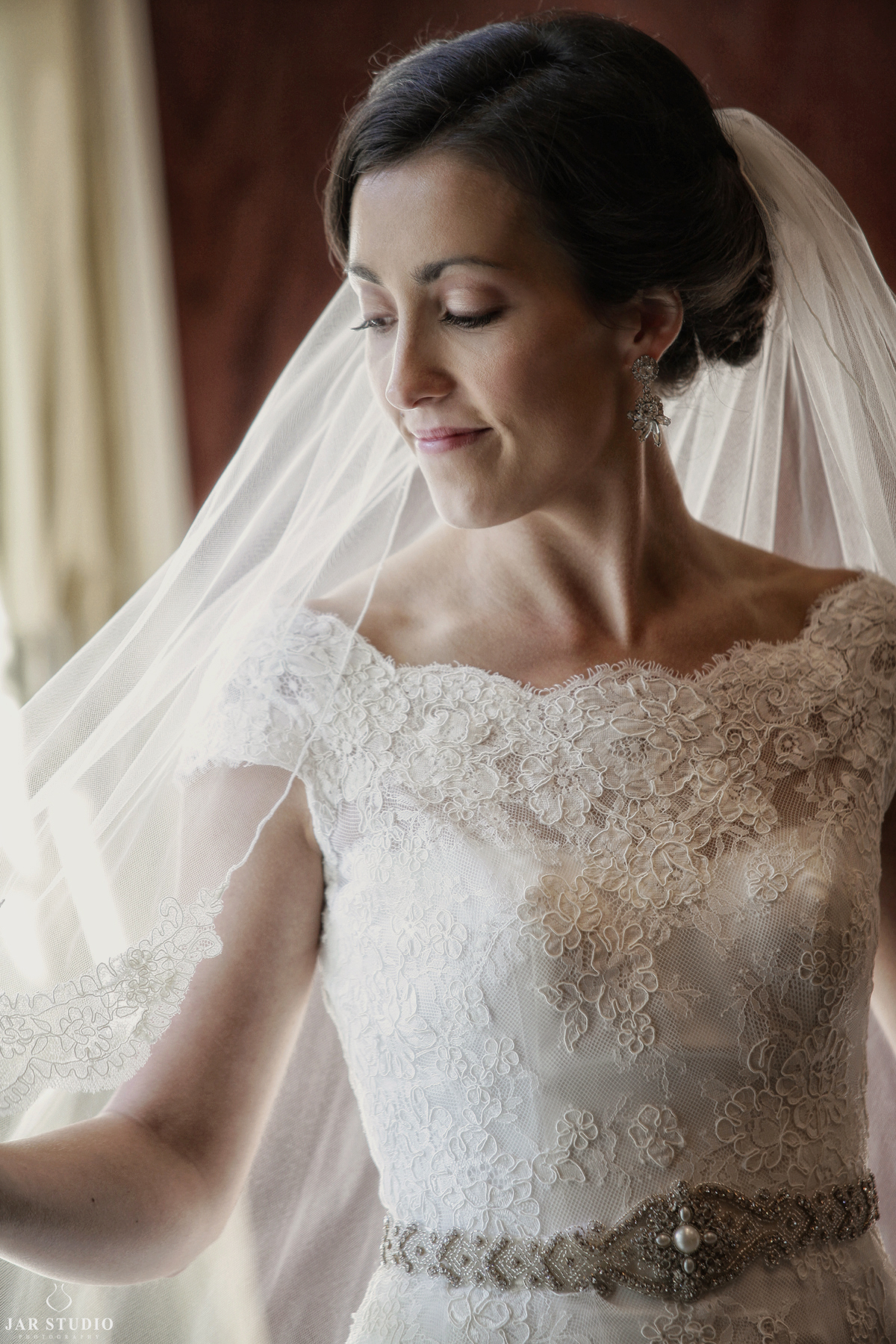 15-beautiful-veil-dress-details-unique-orlando-wedding-photographer.JPG