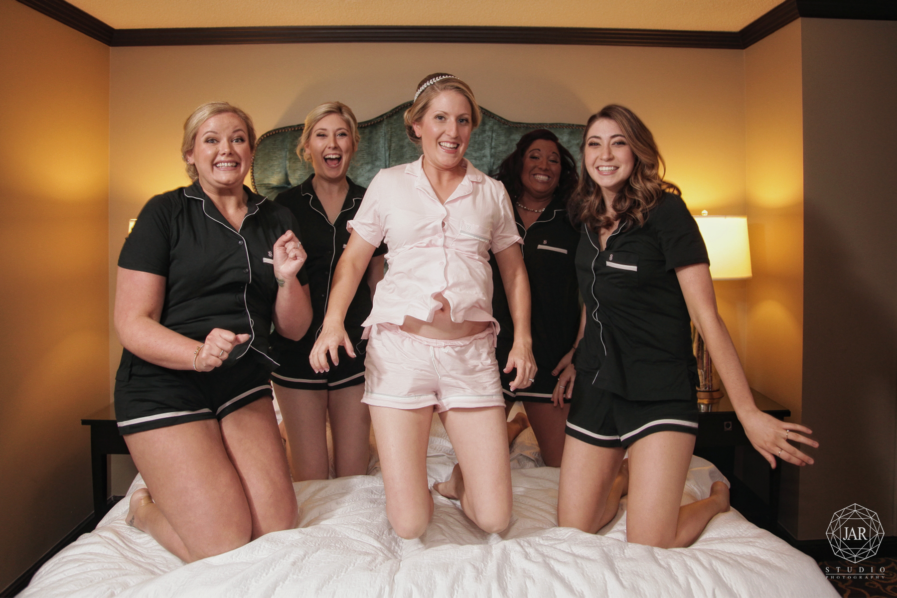 05-bridal-party-fun-grand-bohemian-hotel-photography-jarstudio-orlando.JPG