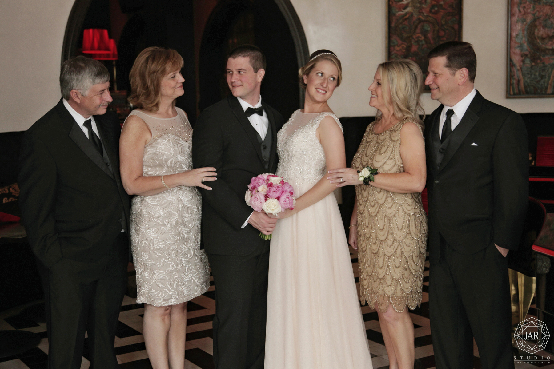 29-bridal-family-bösendorfer-lounge-jarstudio-photography-graond-bohemian.JPG