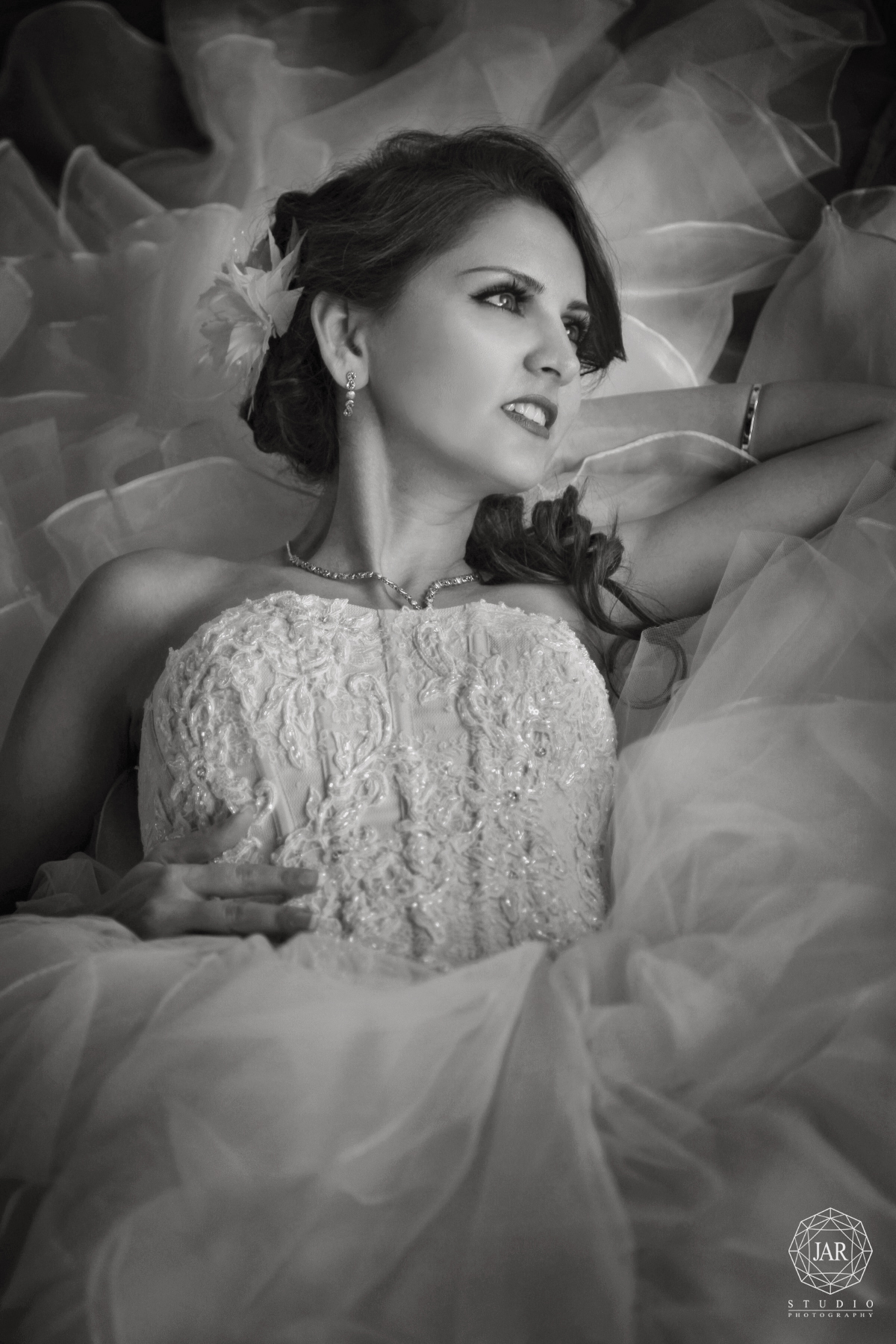 12-bride-portrait-jarstudio-wedding-photography.JPG