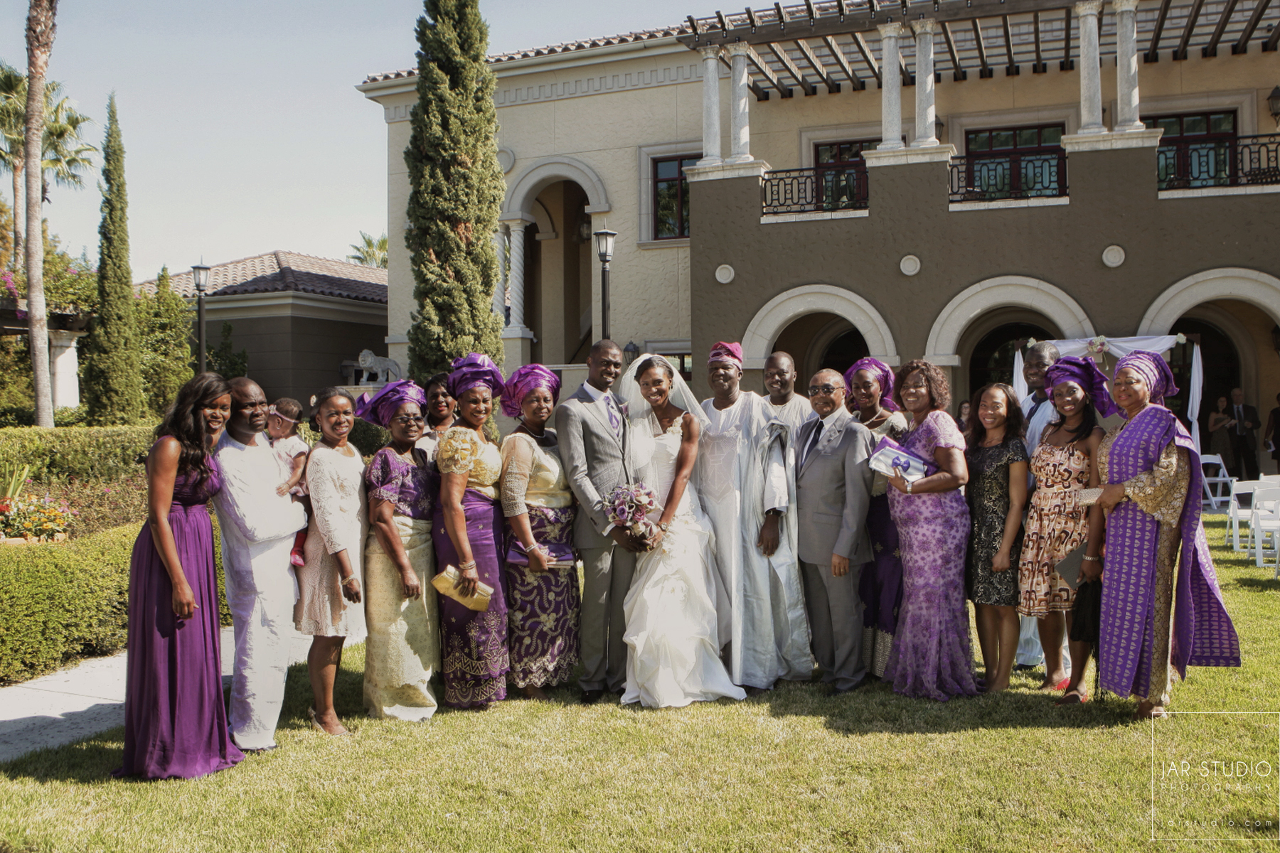 17-traditional-modern-nigerian-wedding-family-portrait-orlando-wedding-photographer-jarstudio.JPG