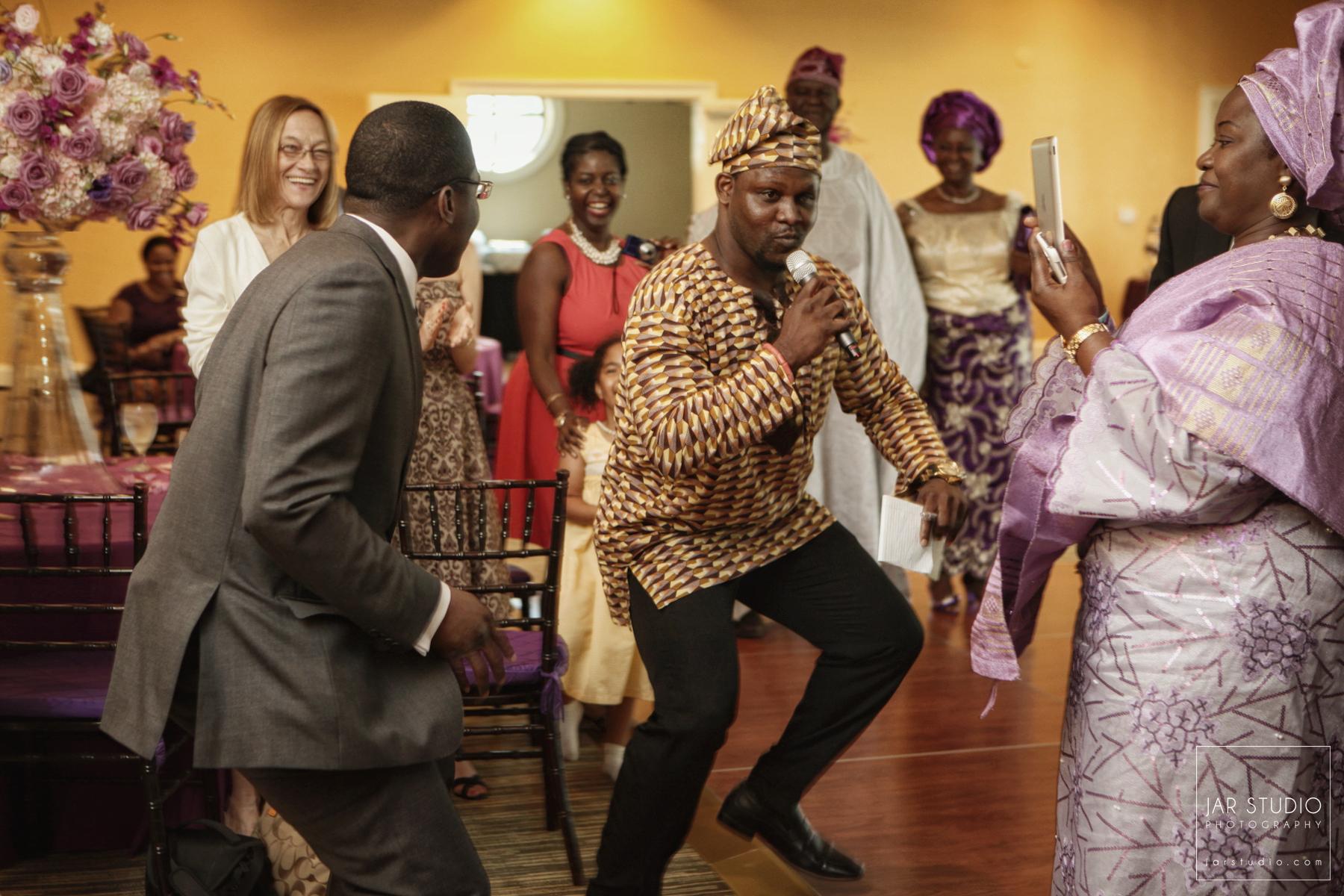 33-fun-nigerian-mc-wedding-reception-orlando-photography-jarstudio.JPG