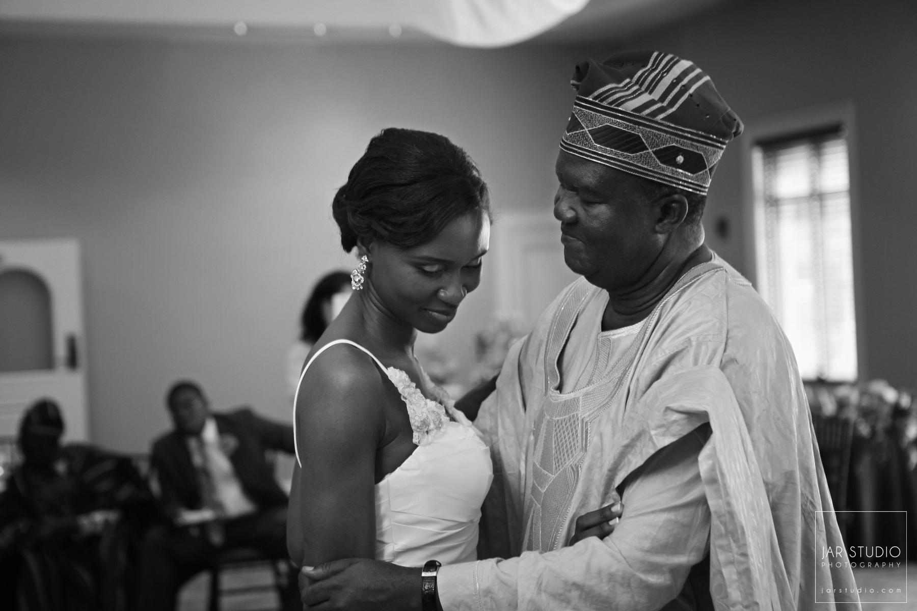 35-nigerian-traditional-father-bride-wedding-photographer-jarstudio.JPG