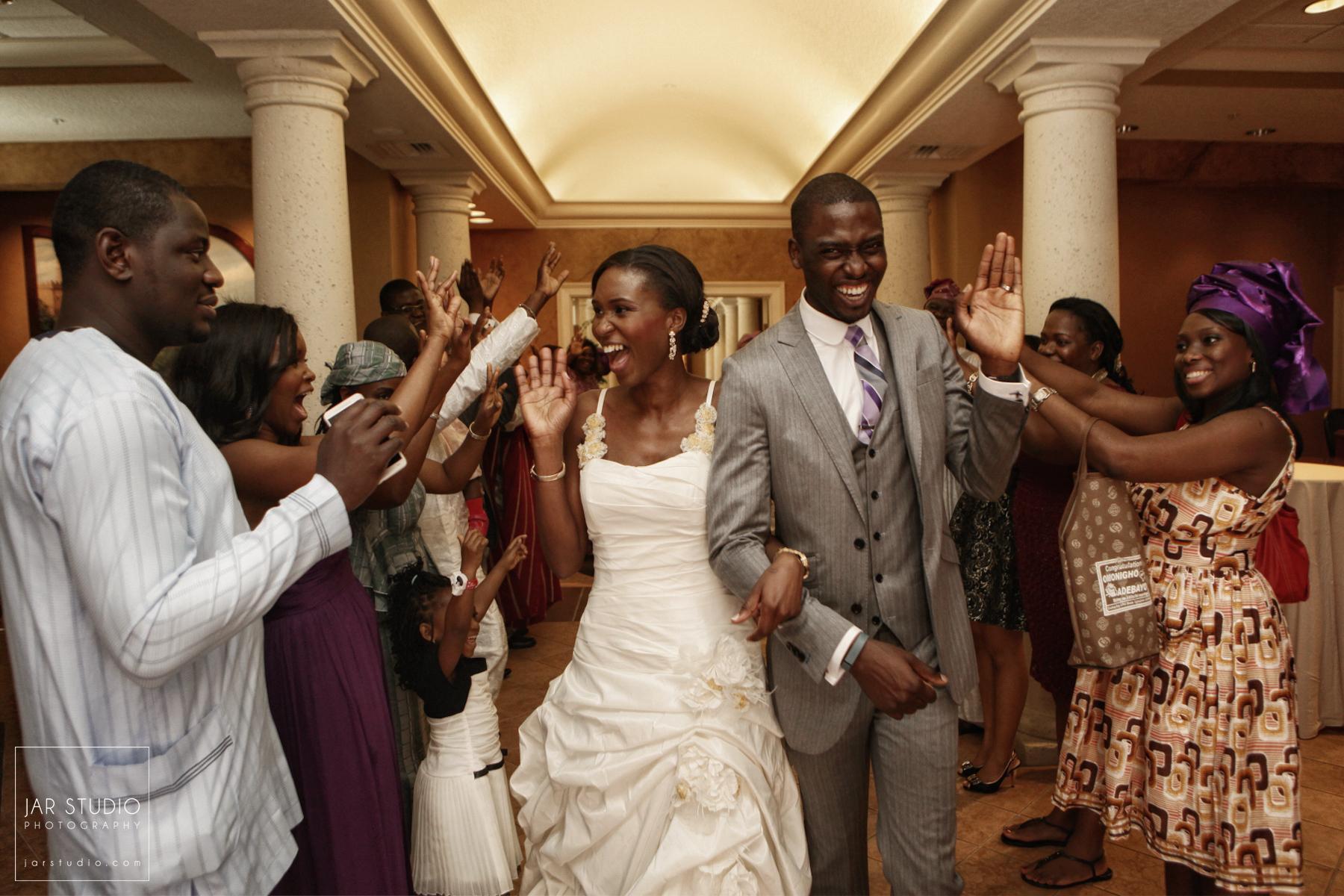 38-hilton-tuscanu-bride-groom-send-out-events-wedding-photographer-jarstudio.JPG