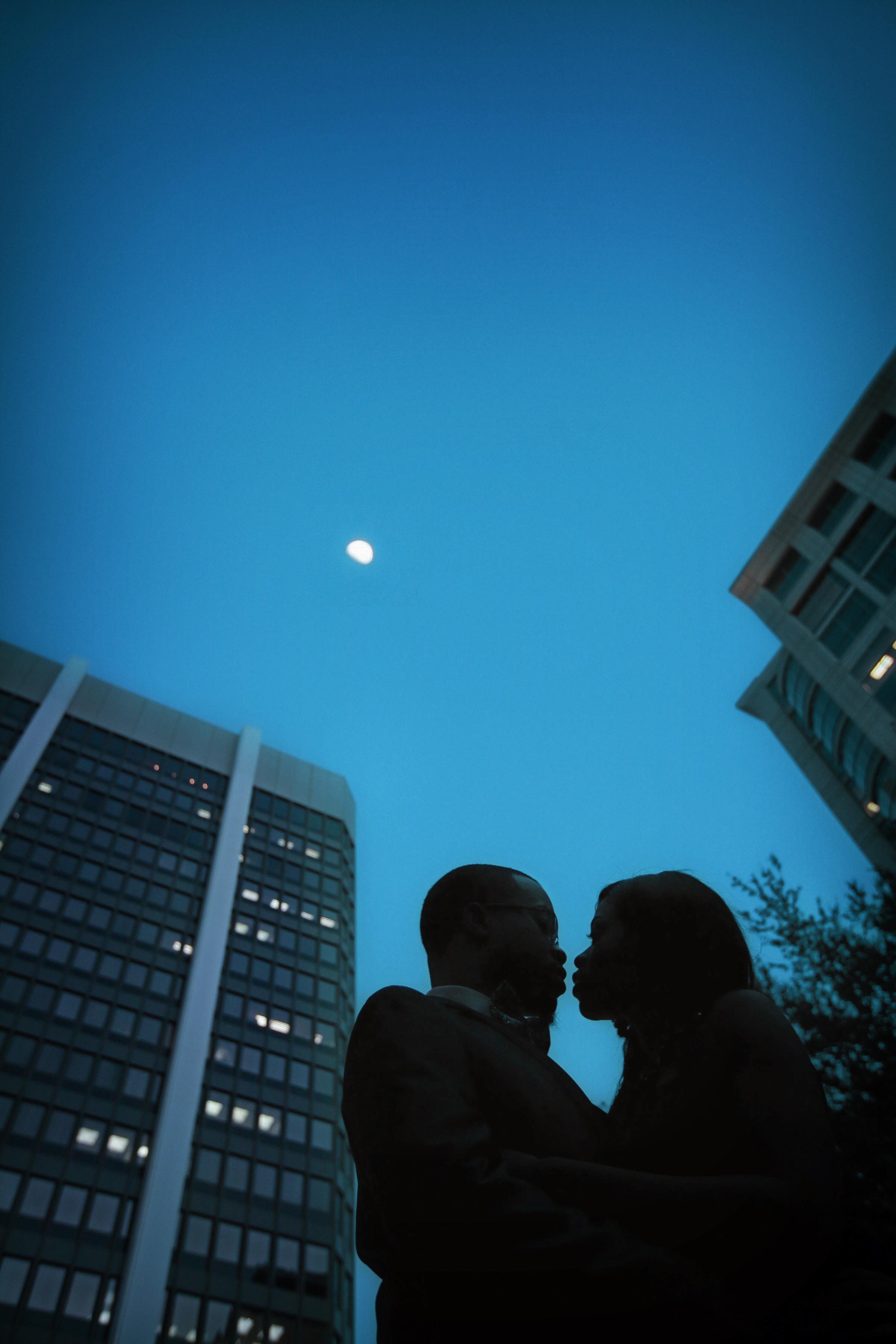 JARSTUDIO-6002-romantic-night-engagement-photography-orlando.jpg