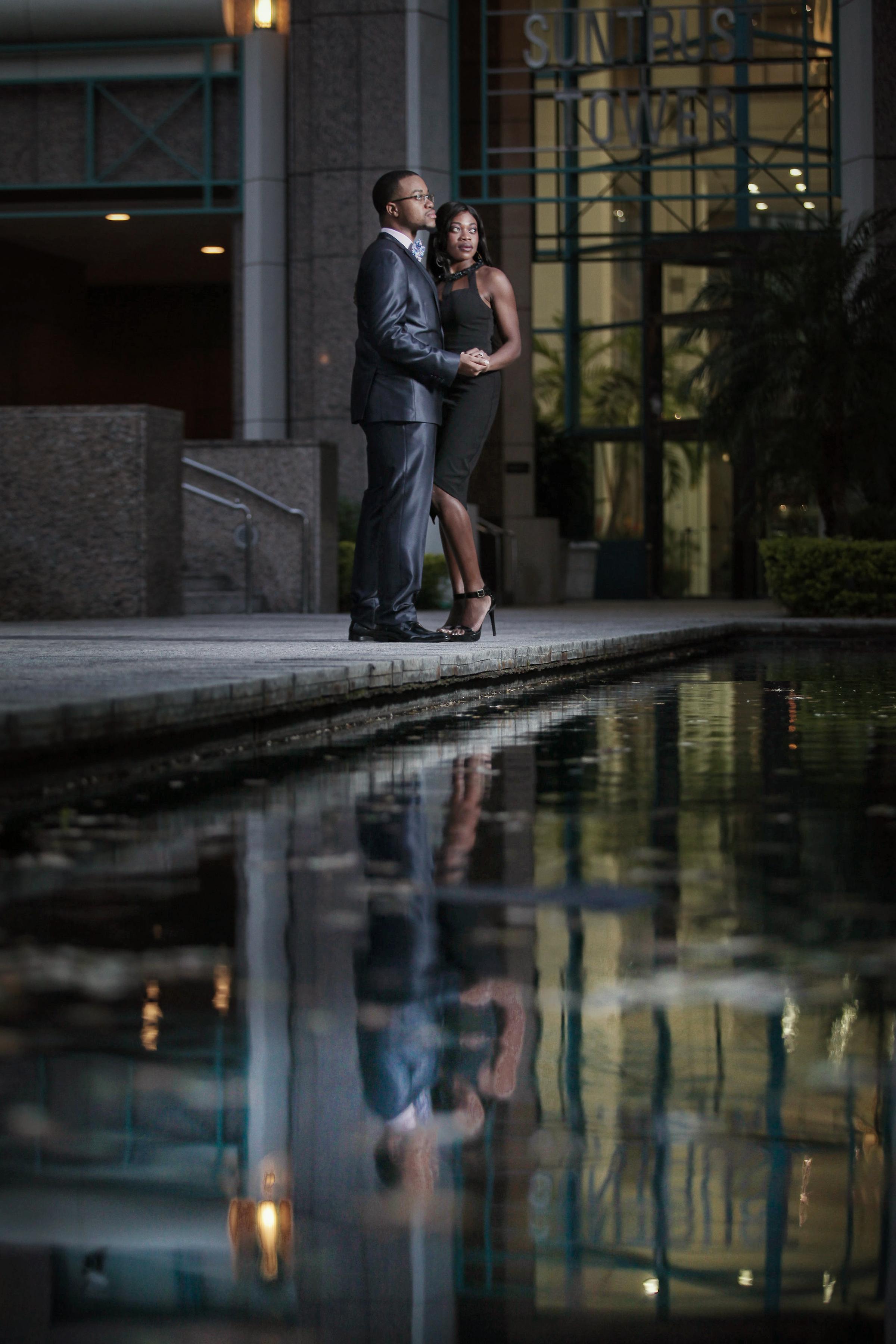 JARSTUDIO-5962-romantic-elegant-engagement-water-photographer.jpg