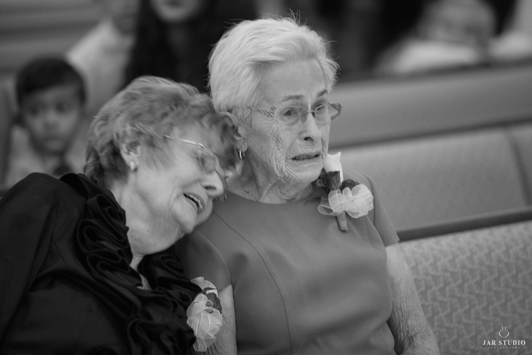 11-grandmas-moment-beautiful-wedding-jarstudio-photography.JPG