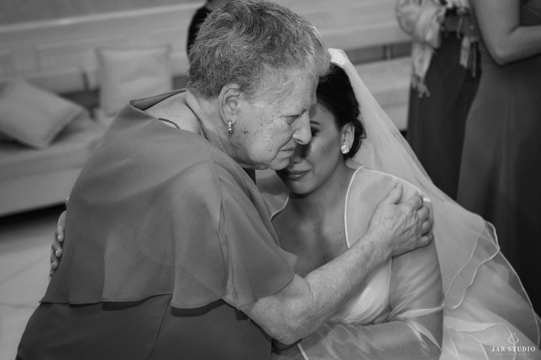 14-bride-grandma-moment-jarstudio-photography-palmbeach.JPG