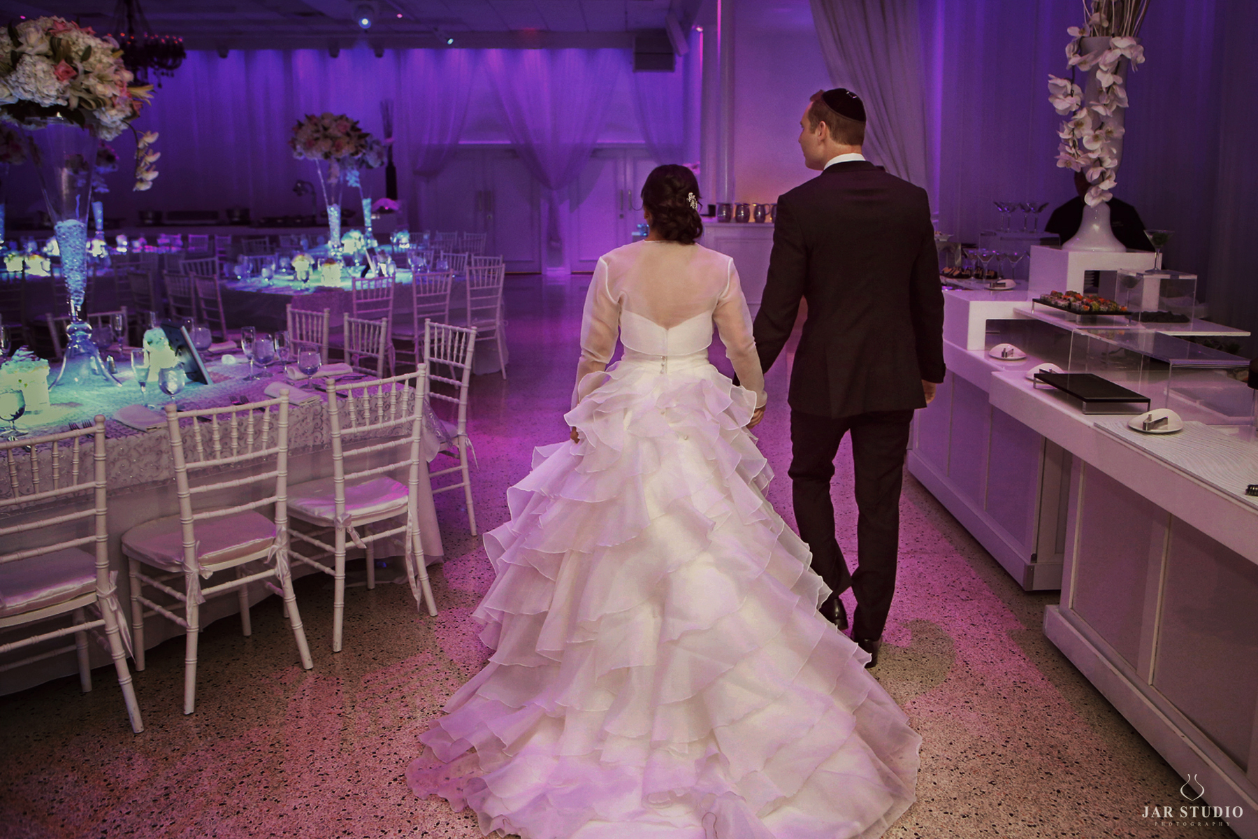 38-bride-groom-fun-reception-orlando-venue-jarstudio.JPG