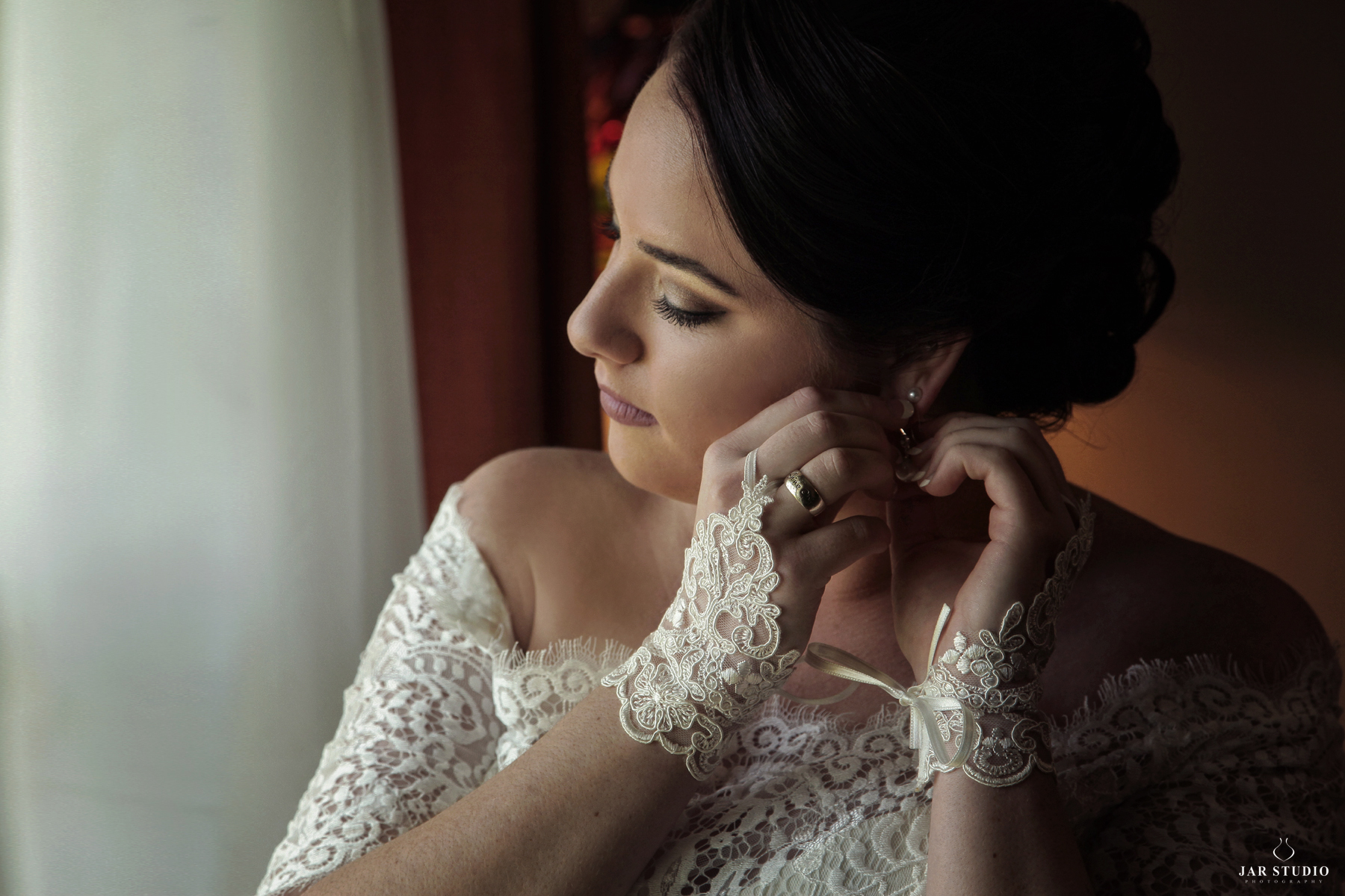 04-bride-getting-ready-ideas-jarstudio-photography.JPG