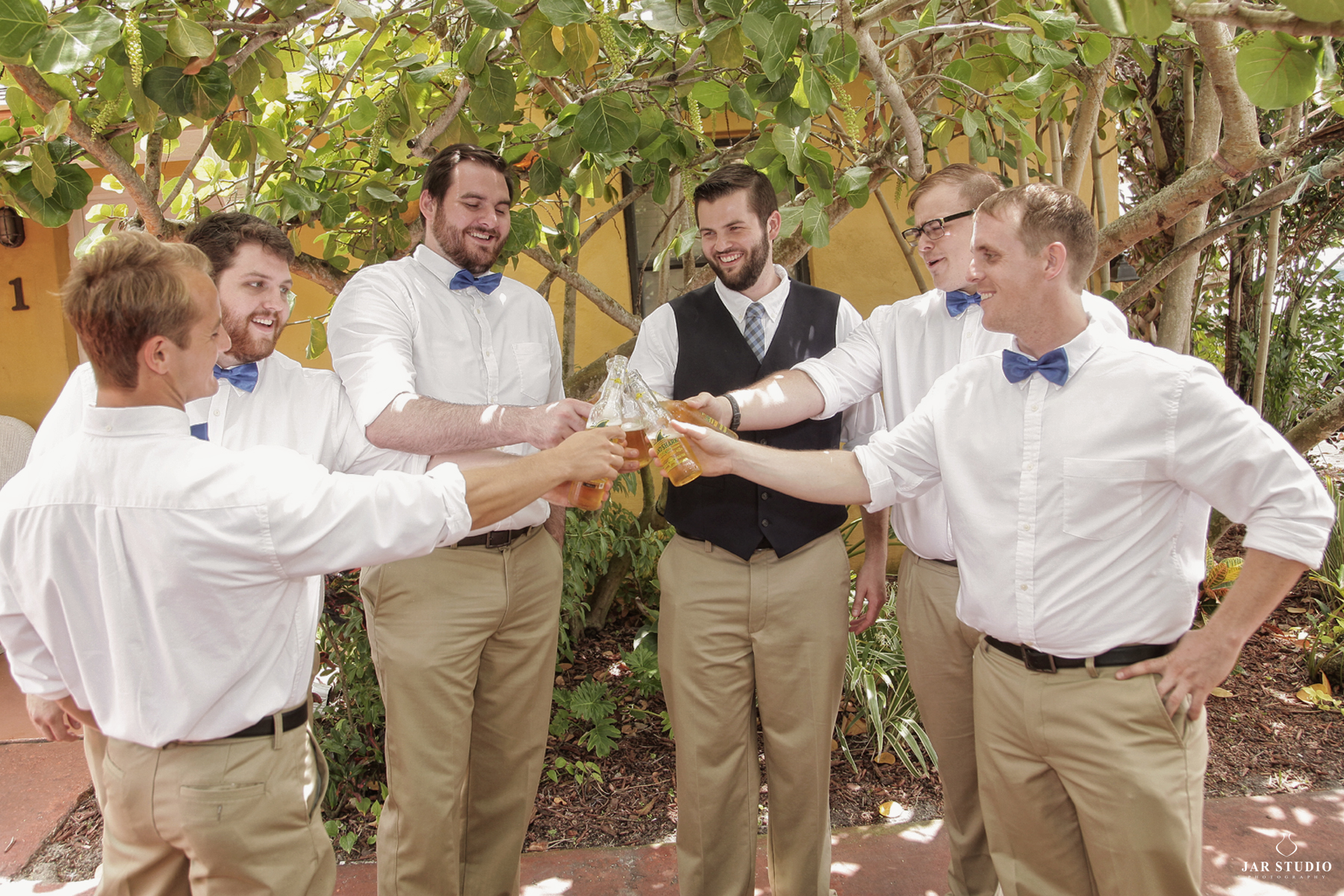 10-fun-groomsmen-groom-orlando-photographer-jaime.JPG