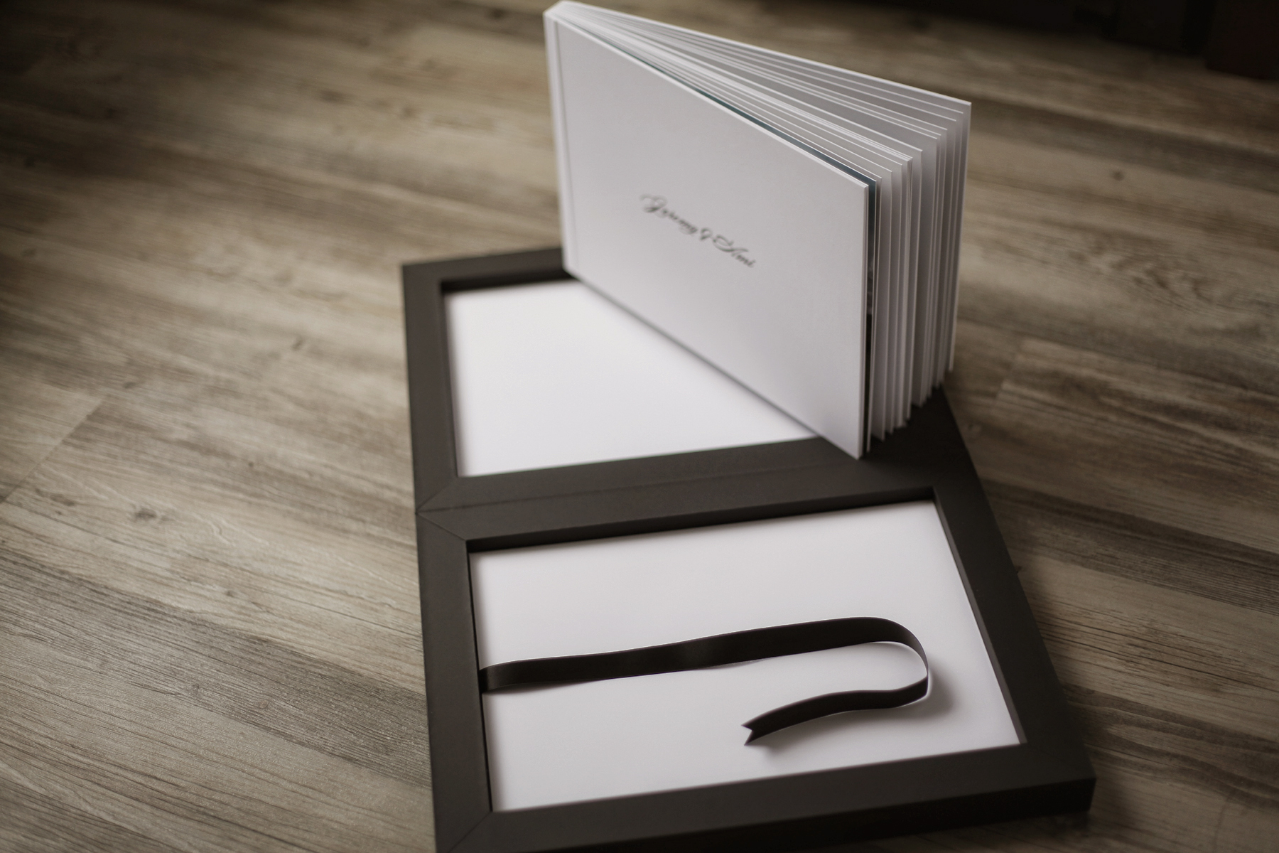 20-jarstudio-orlando-wedding-photographer-modern-artistic-albums.jpg