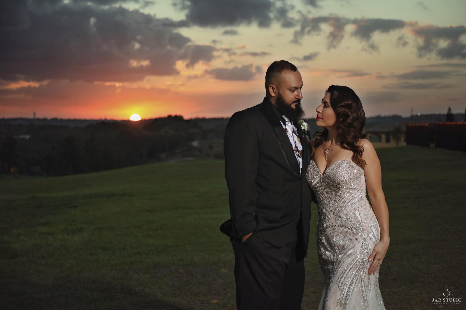 29-sunset-at-bella-collina-real-wedding-day-photos-jarstudio.jpg
