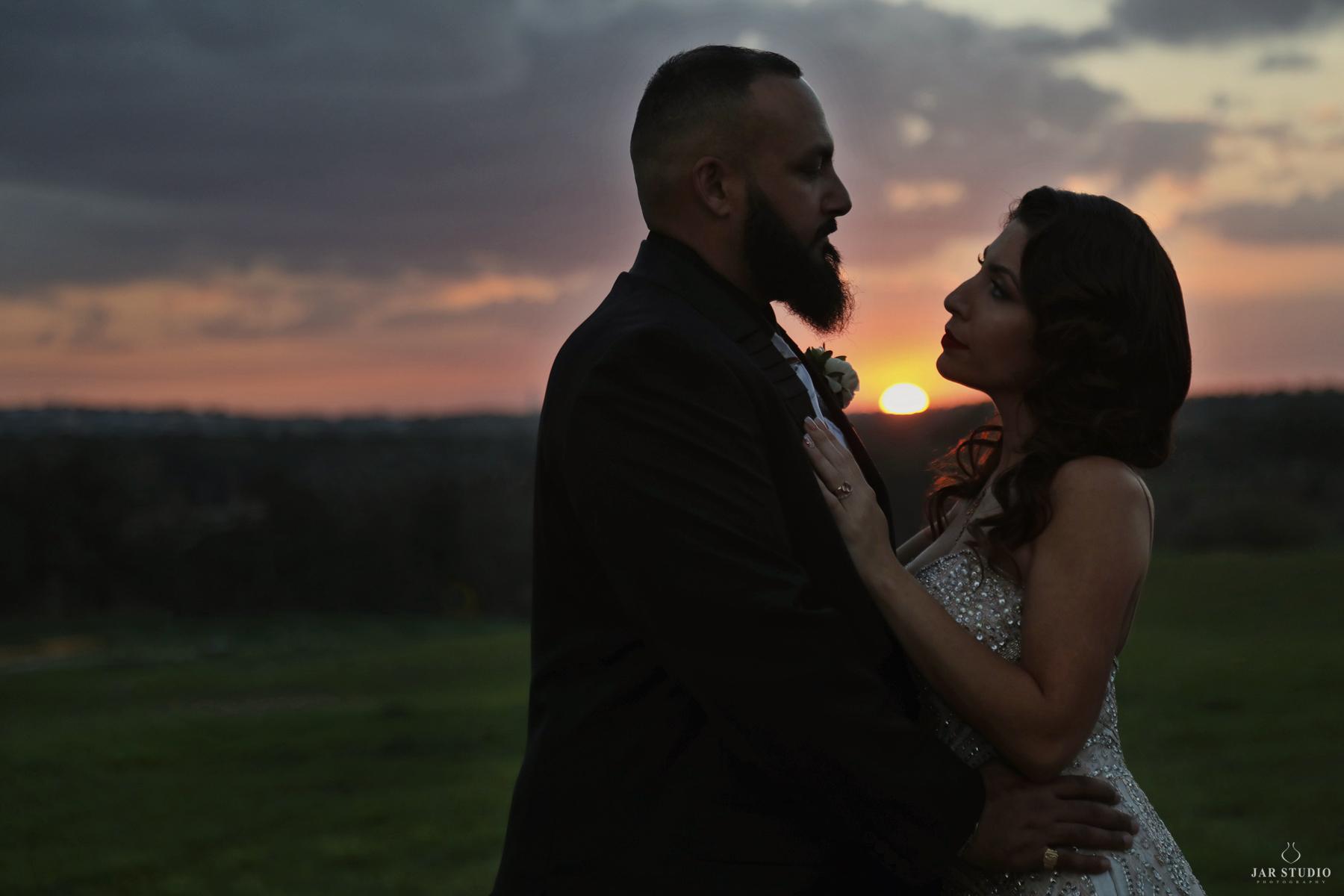 30-amazing-sunset-bellacollina-wedding-jarstudio.jpg
