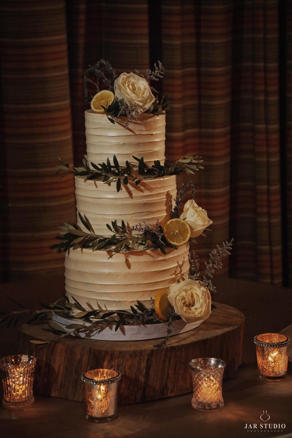 36-lemon-wedding-cake-amazing-jarstudio-photography.jpg