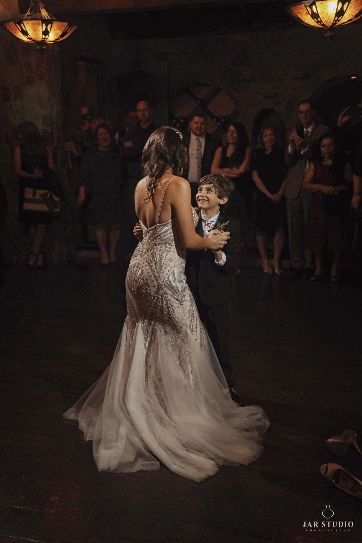 39-mother-son-cuttest-dance-wedding-photography-jarstudio.jpg