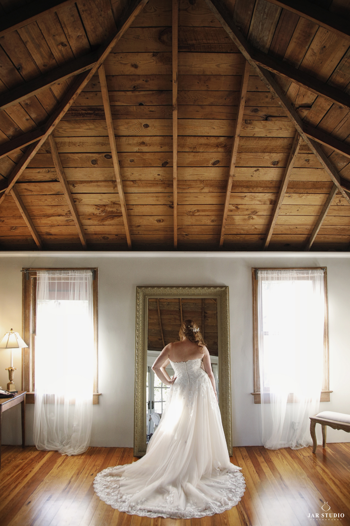 12-orlando-beautiful-room-bride-getting-ready-jarstudio-photography.JPG