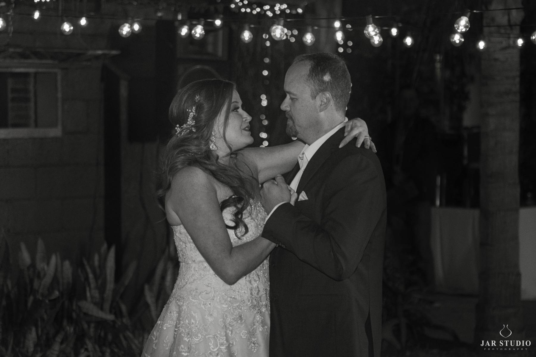 35-dancing-bride-groom-moment-jarstudio.JPG